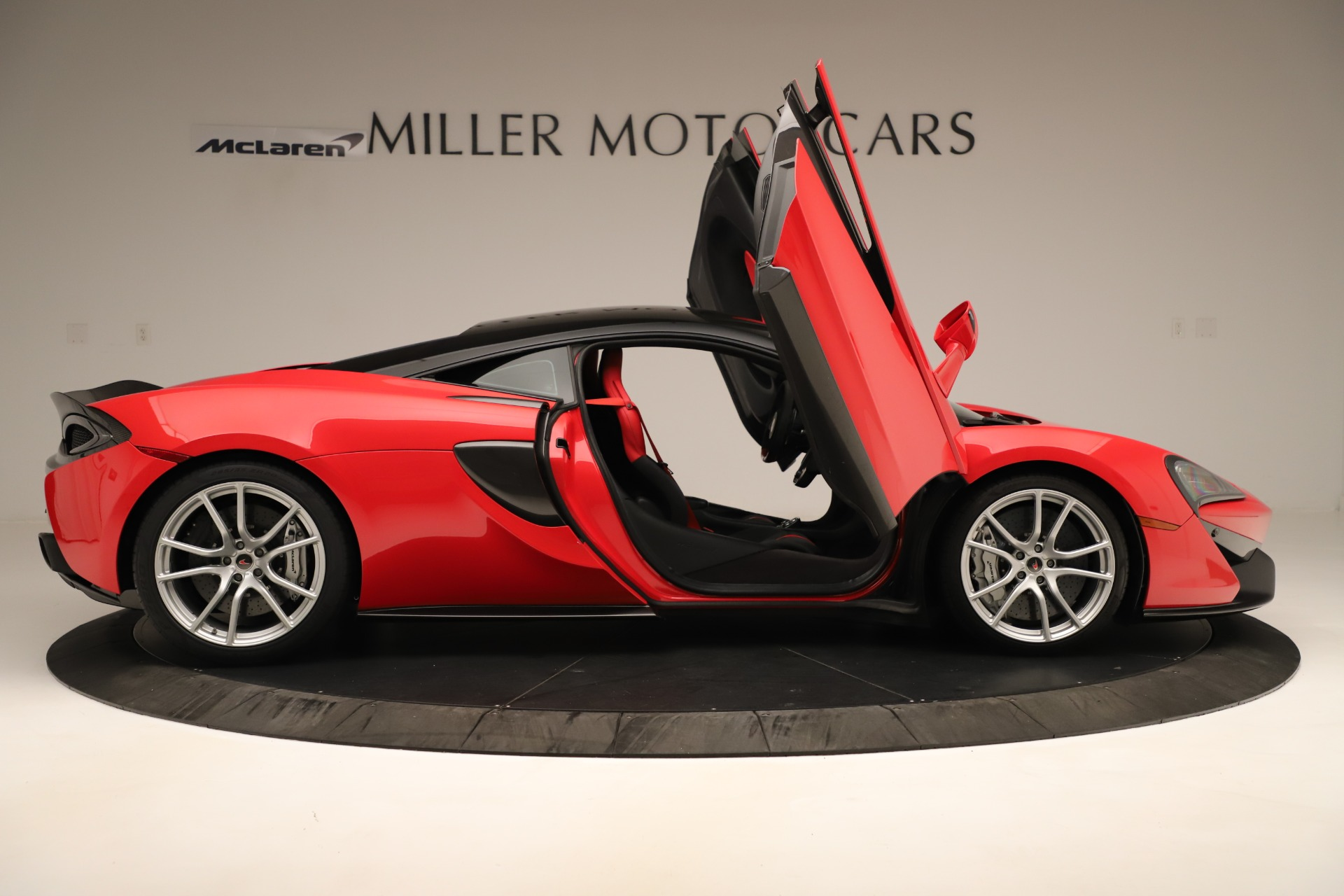 Used 2016 McLaren 570S Coupe For Sale In Greenwich, CT 3235_p15