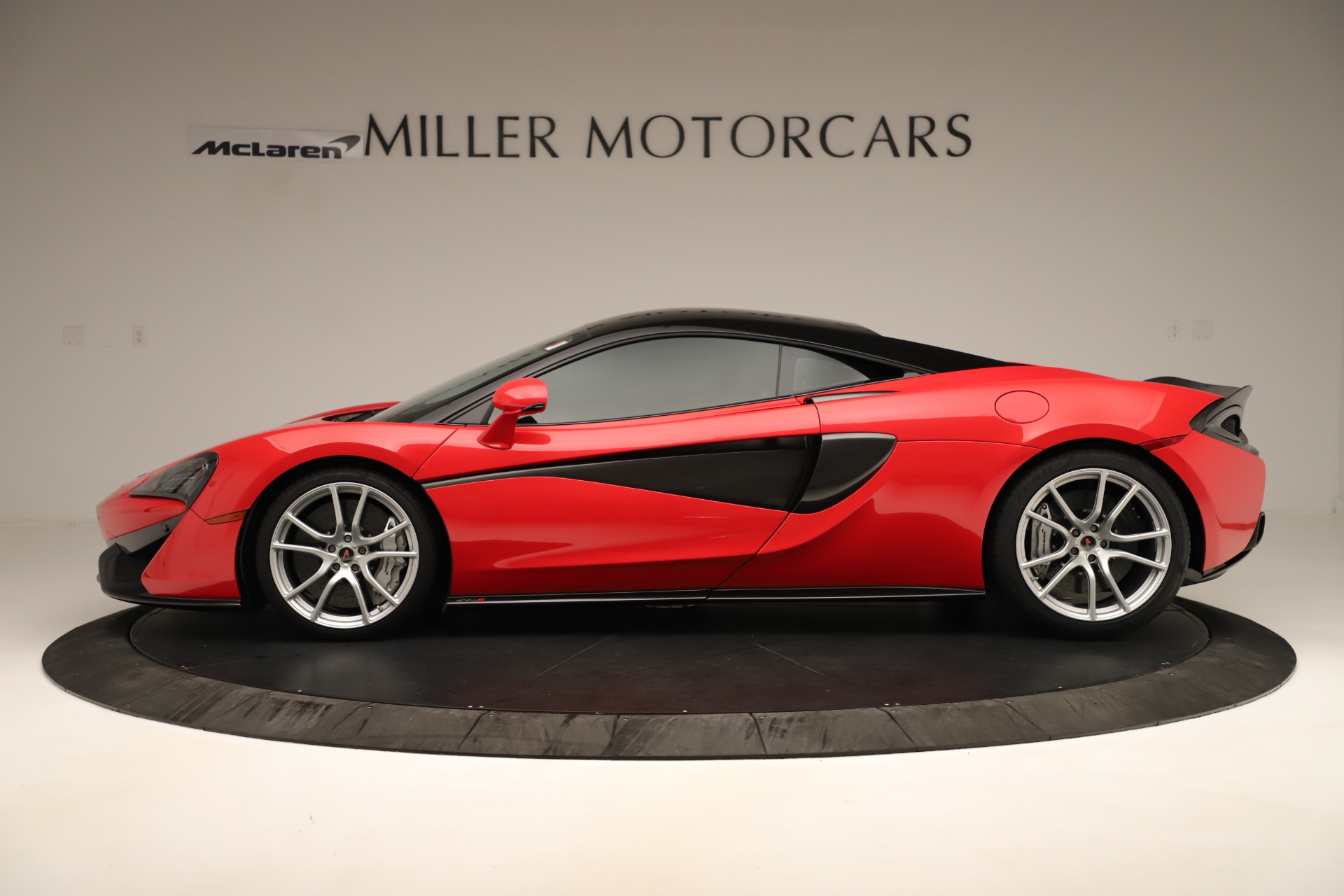 Used 2016 McLaren 570S Coupe For Sale In Greenwich, CT 3235_p2