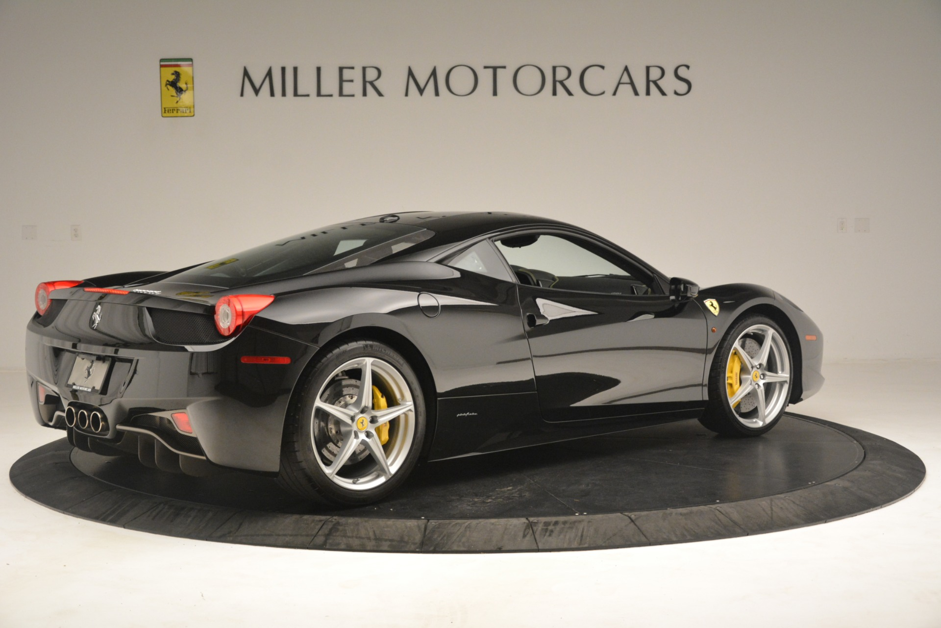 Used 2011 Ferrari 458 Italia  For Sale In Greenwich, CT 3236_p8