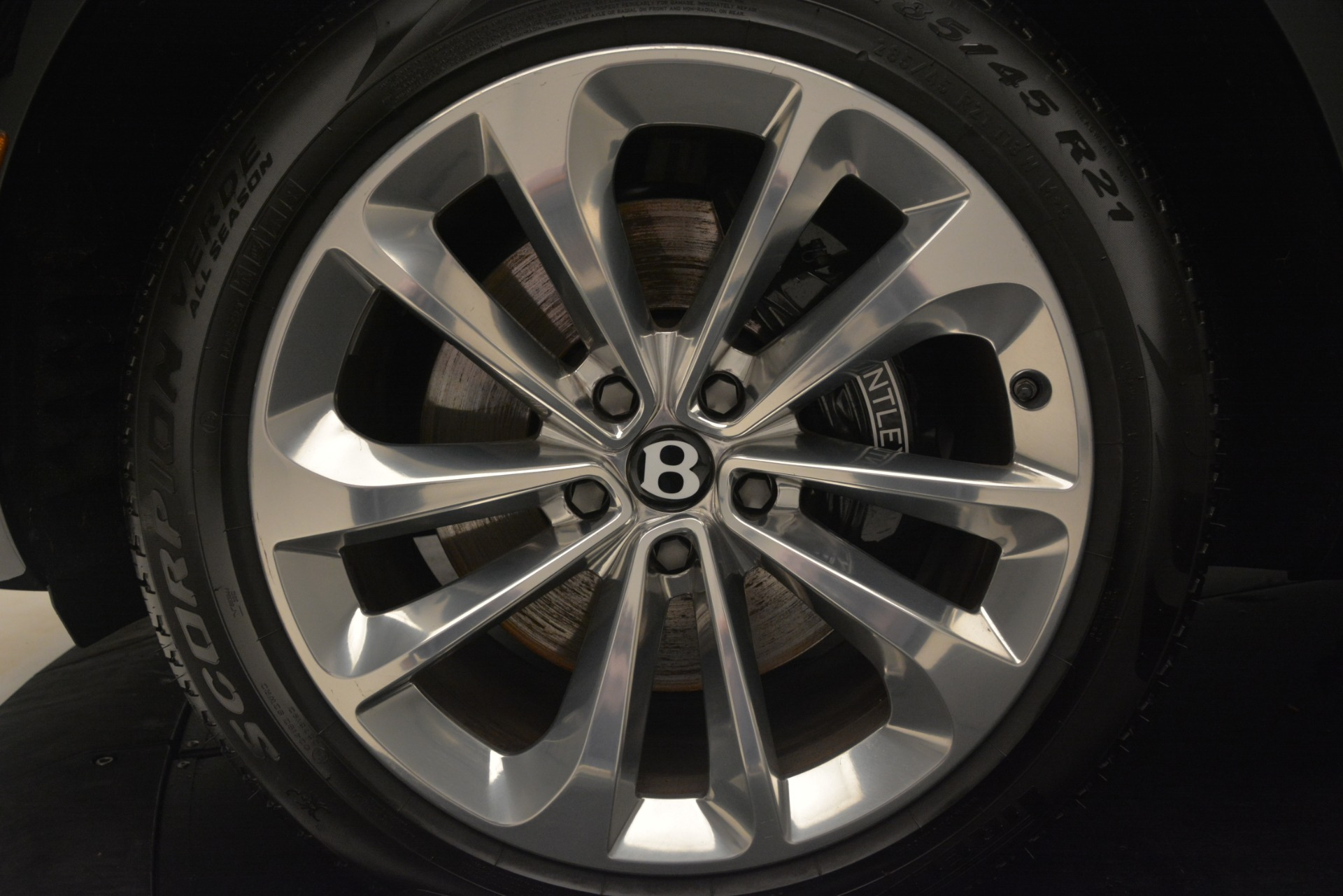 Used 2017 Bentley Bentayga W12 For Sale In Greenwich, CT 3239_p16