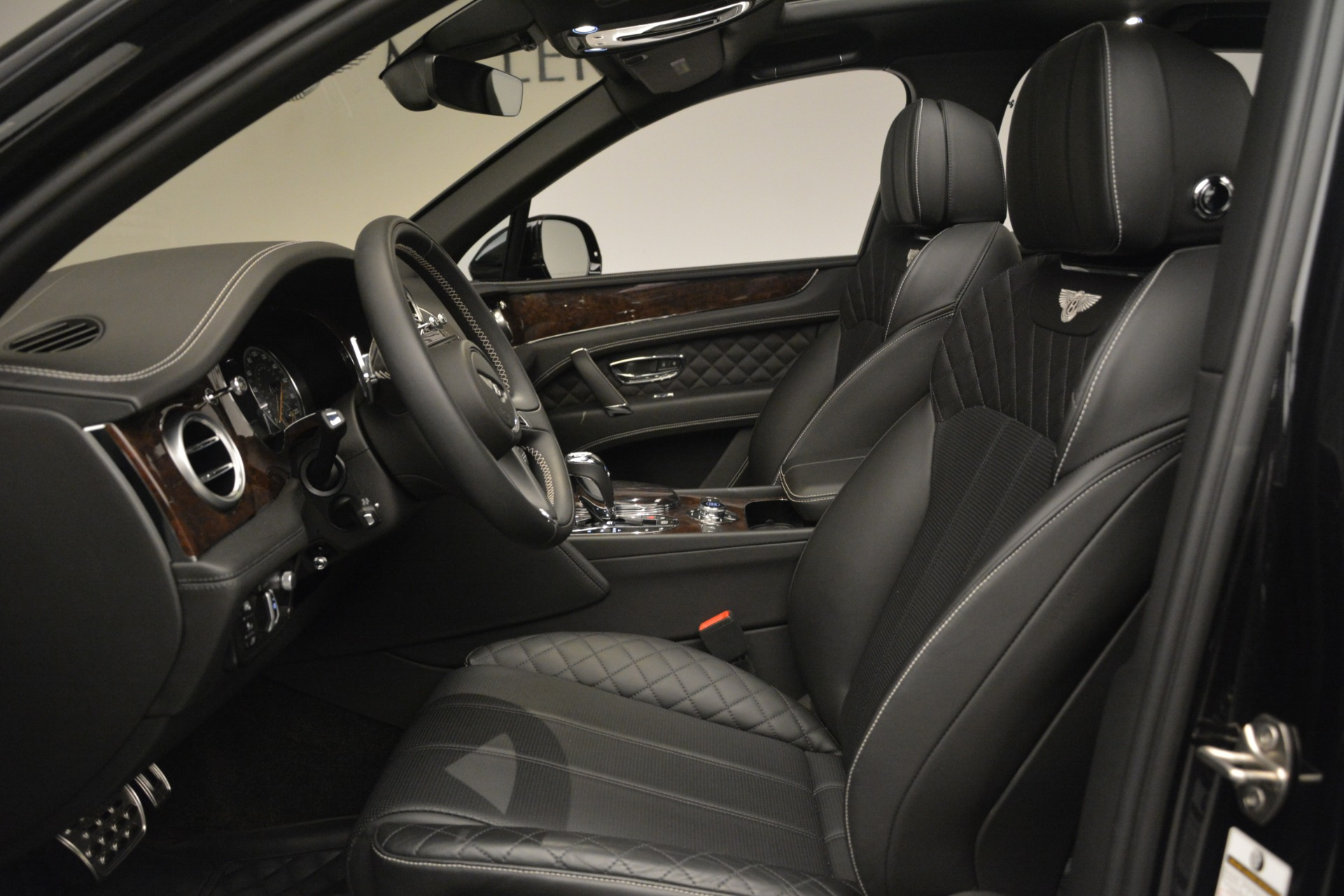 Used 2017 Bentley Bentayga W12 For Sale In Greenwich, CT 3239_p19