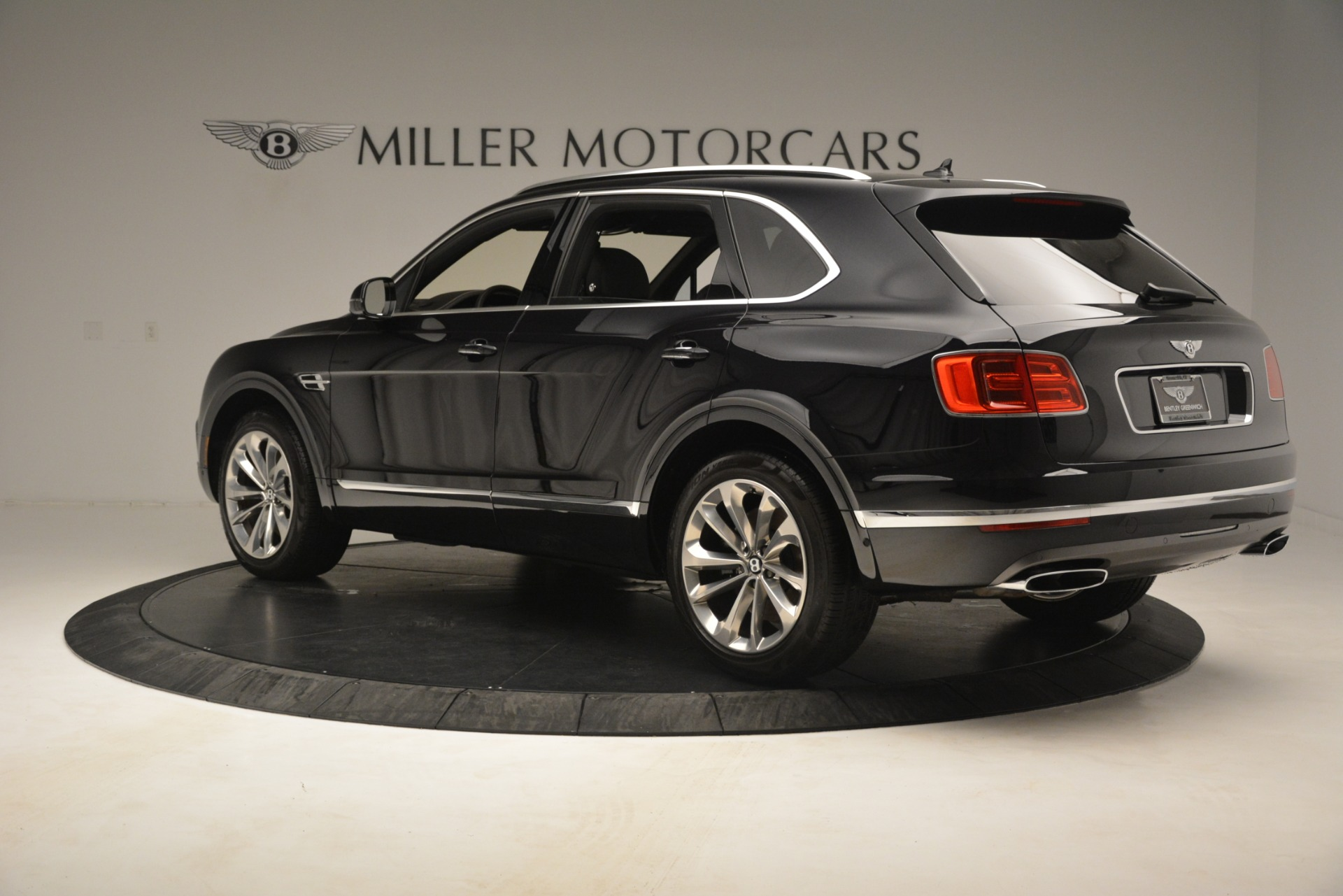 Used 2017 Bentley Bentayga W12 For Sale In Greenwich, CT 3239_p5