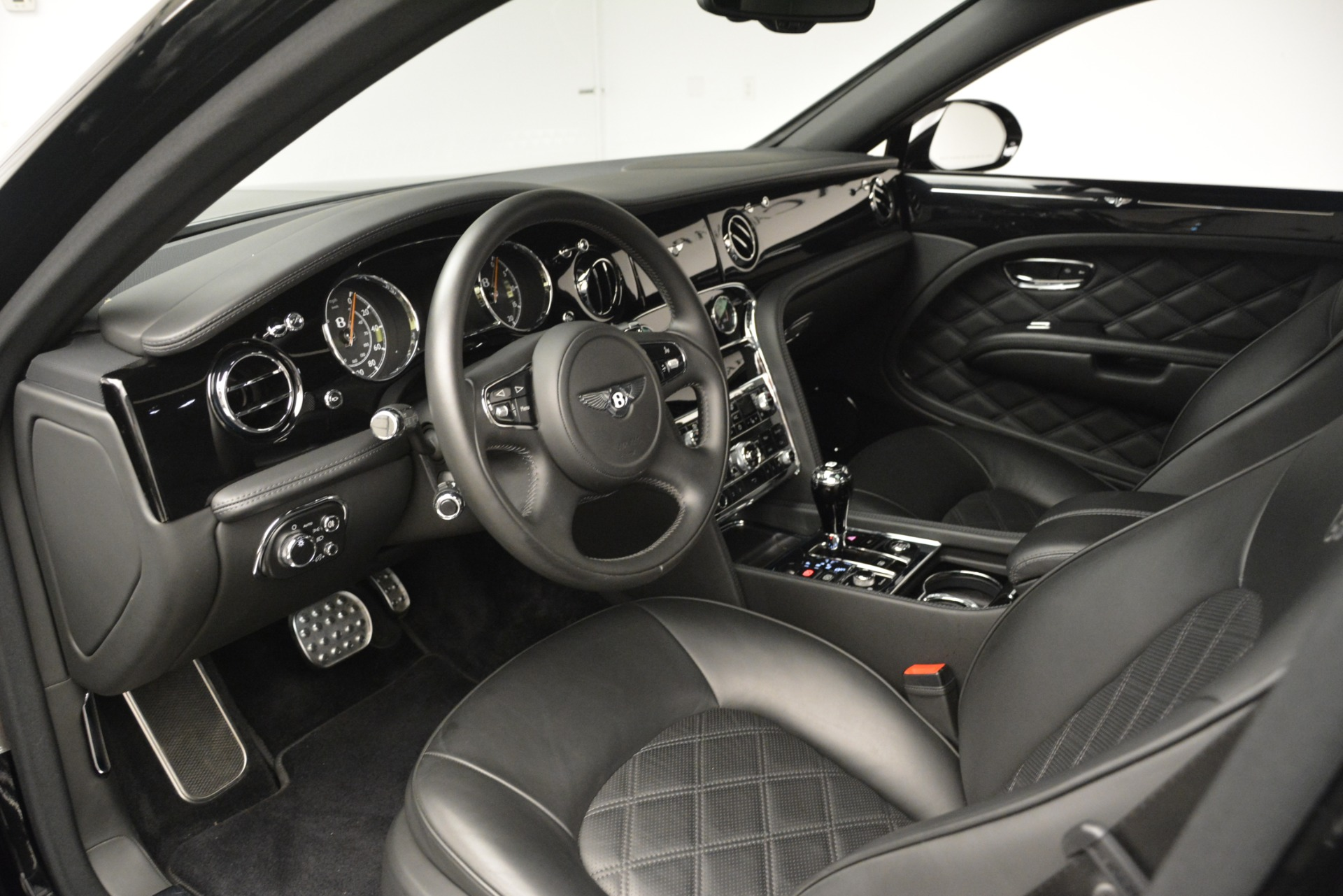Used 2016 Bentley Mulsanne  For Sale In Greenwich, CT 3240_p18