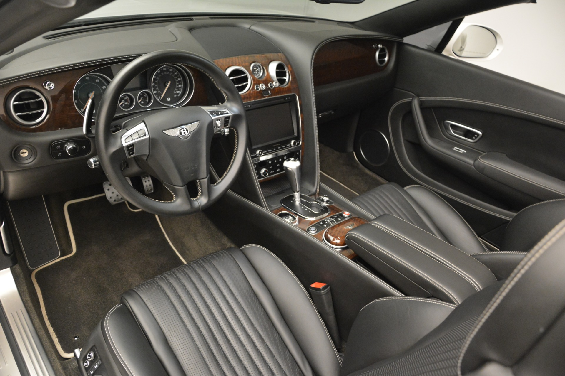 Used 2016 Bentley Continental GT V8 For Sale In Greenwich, CT 3241_p19