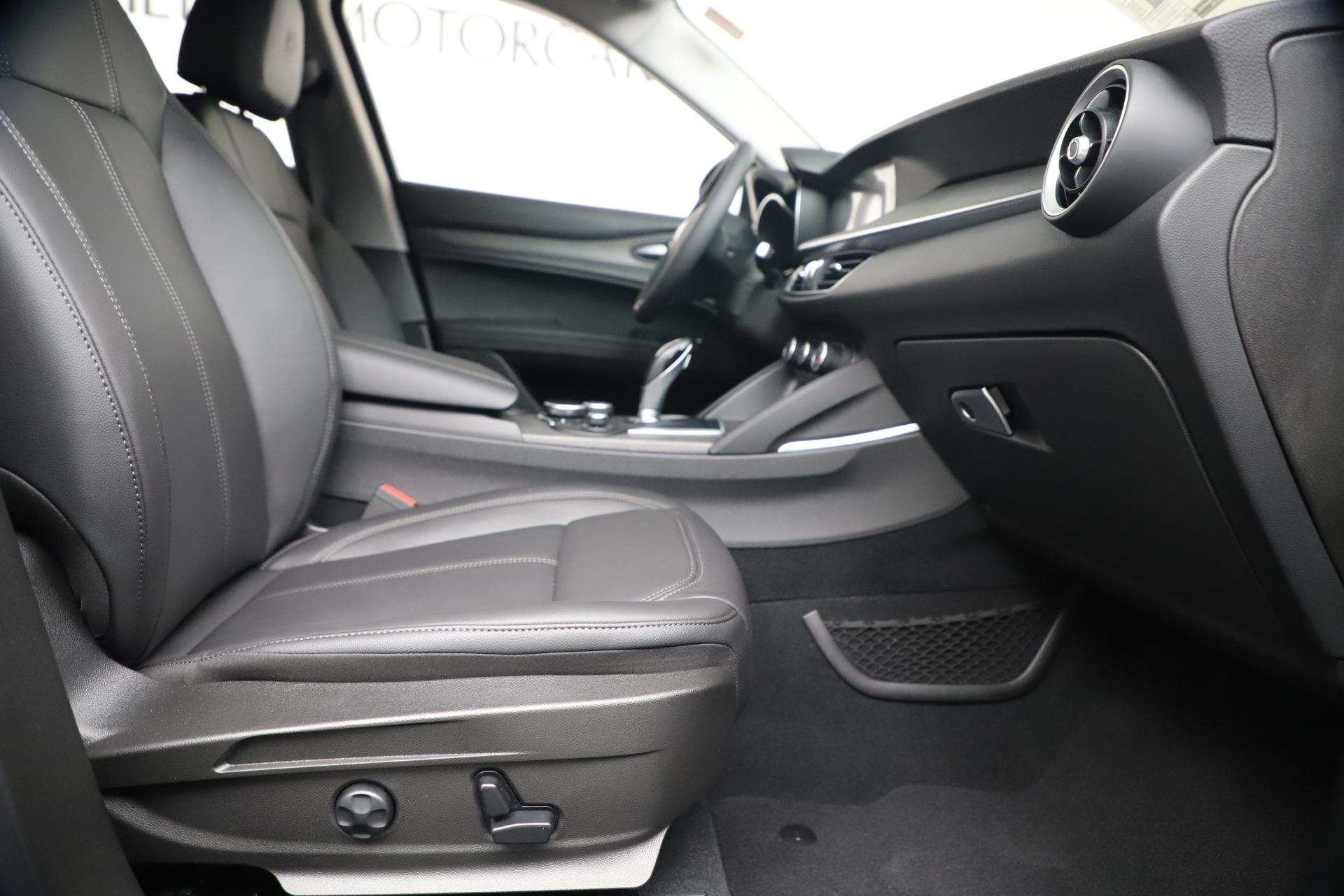 New 2019 Alfa Romeo Stelvio Ti Q4 For Sale In Greenwich, CT 3252_p23