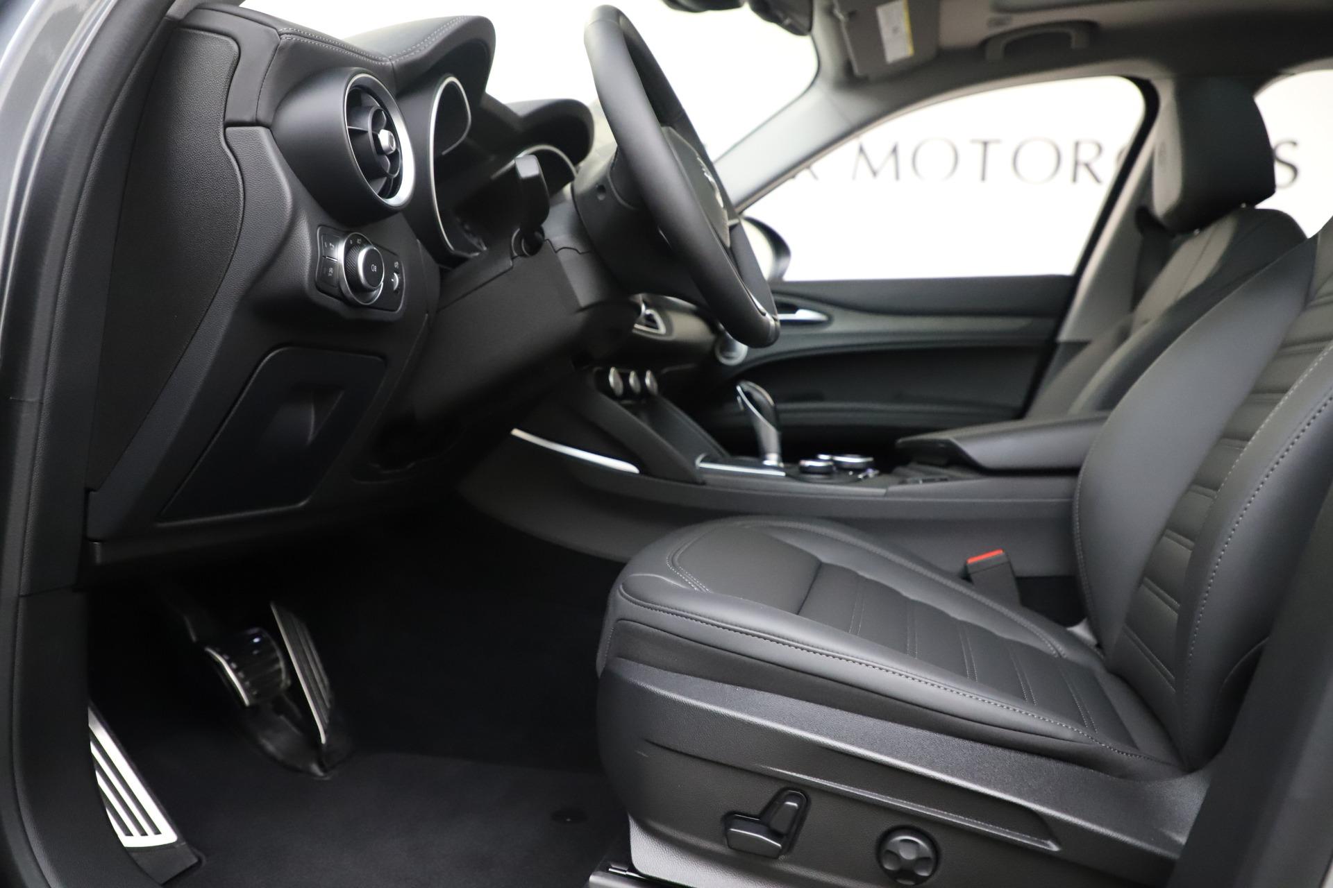 New 2019 Alfa Romeo Stelvio Ti Lusso Q4 For Sale In Greenwich, CT 3260_p14
