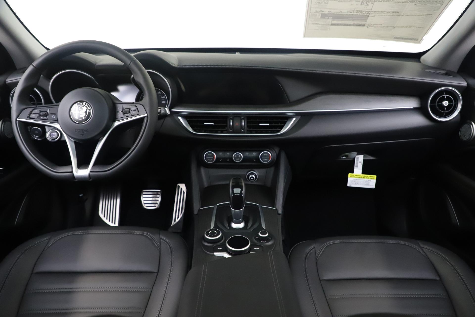New 2019 Alfa Romeo Stelvio Ti Lusso Q4 For Sale In Greenwich, CT 3260_p16