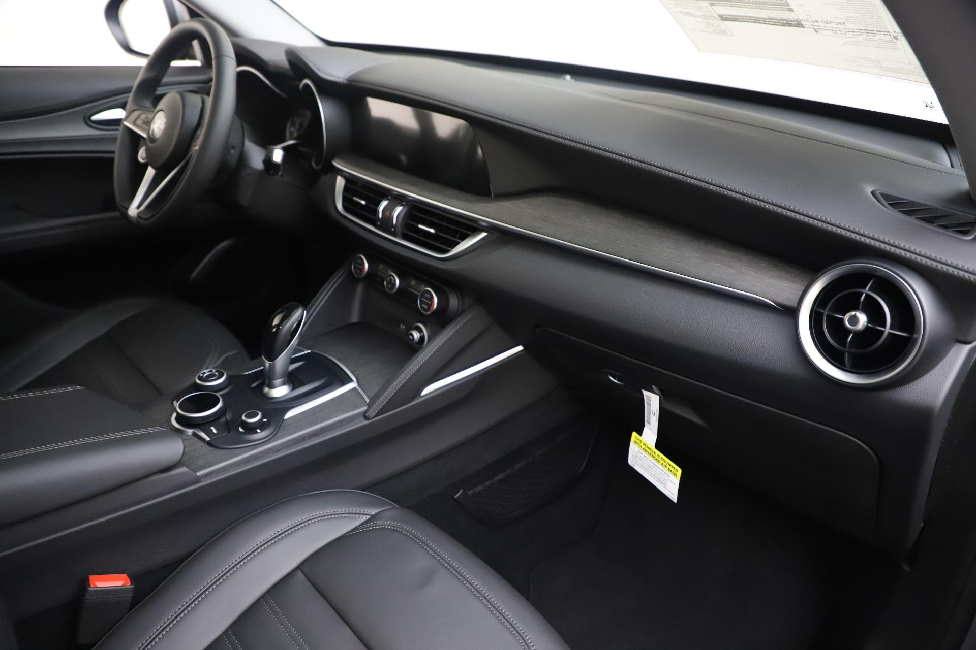 New 2019 Alfa Romeo Stelvio Ti Lusso Q4 For Sale In Greenwich, CT 3260_p22