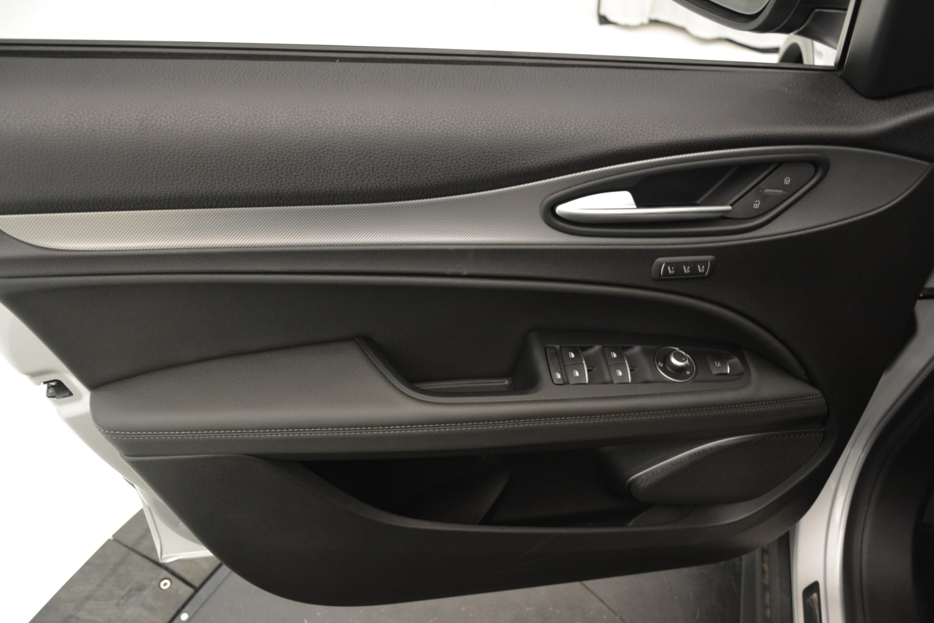 New 2019 Alfa Romeo Stelvio Ti Sport Q4 For Sale In Greenwich, CT 3261_p17