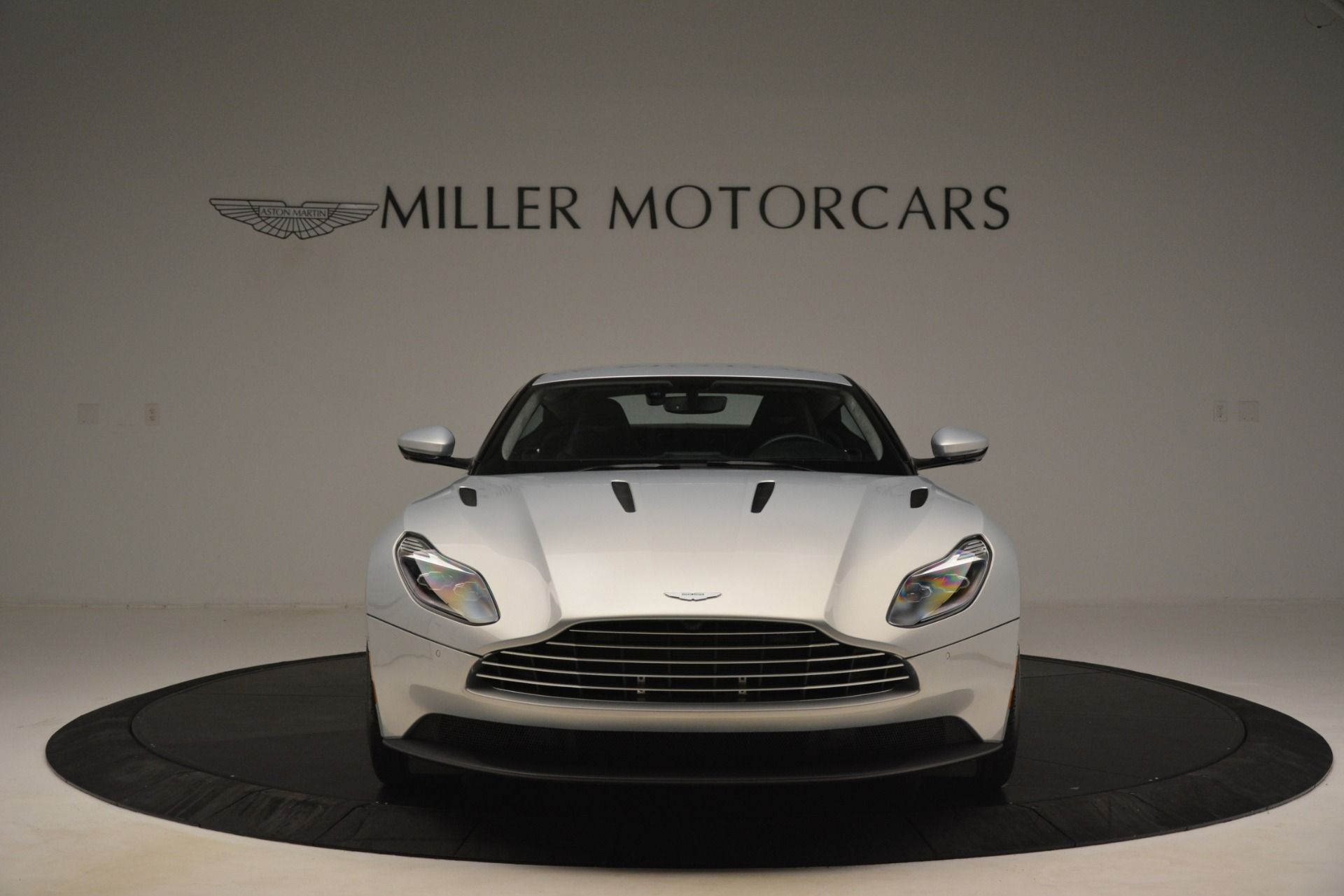 Used 2018 Aston Martin DB11 V12 Coupe For Sale In Greenwich, CT 3264_p11