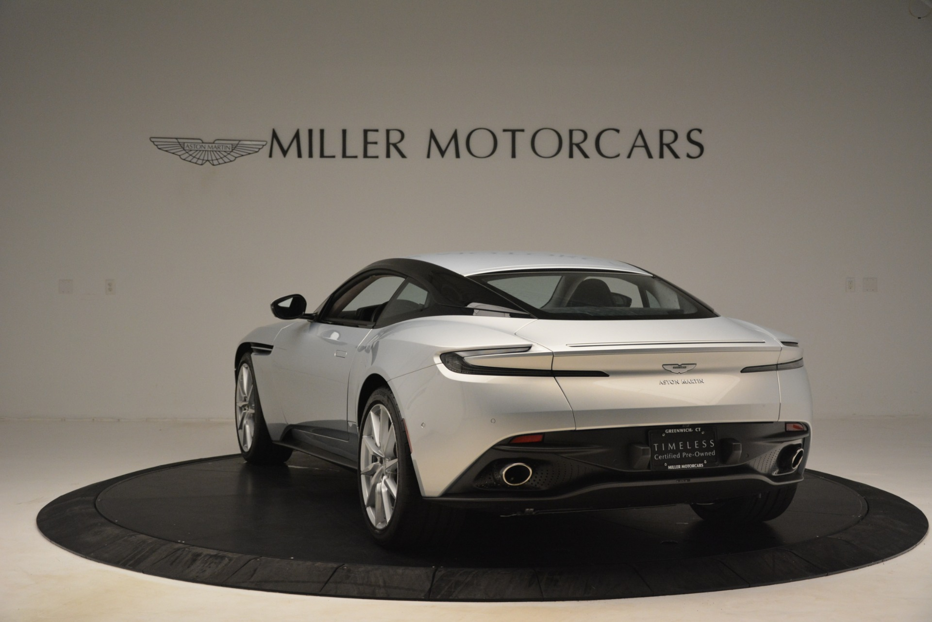 Used 2018 Aston Martin DB11 V12 Coupe For Sale In Greenwich, CT 3264_p4