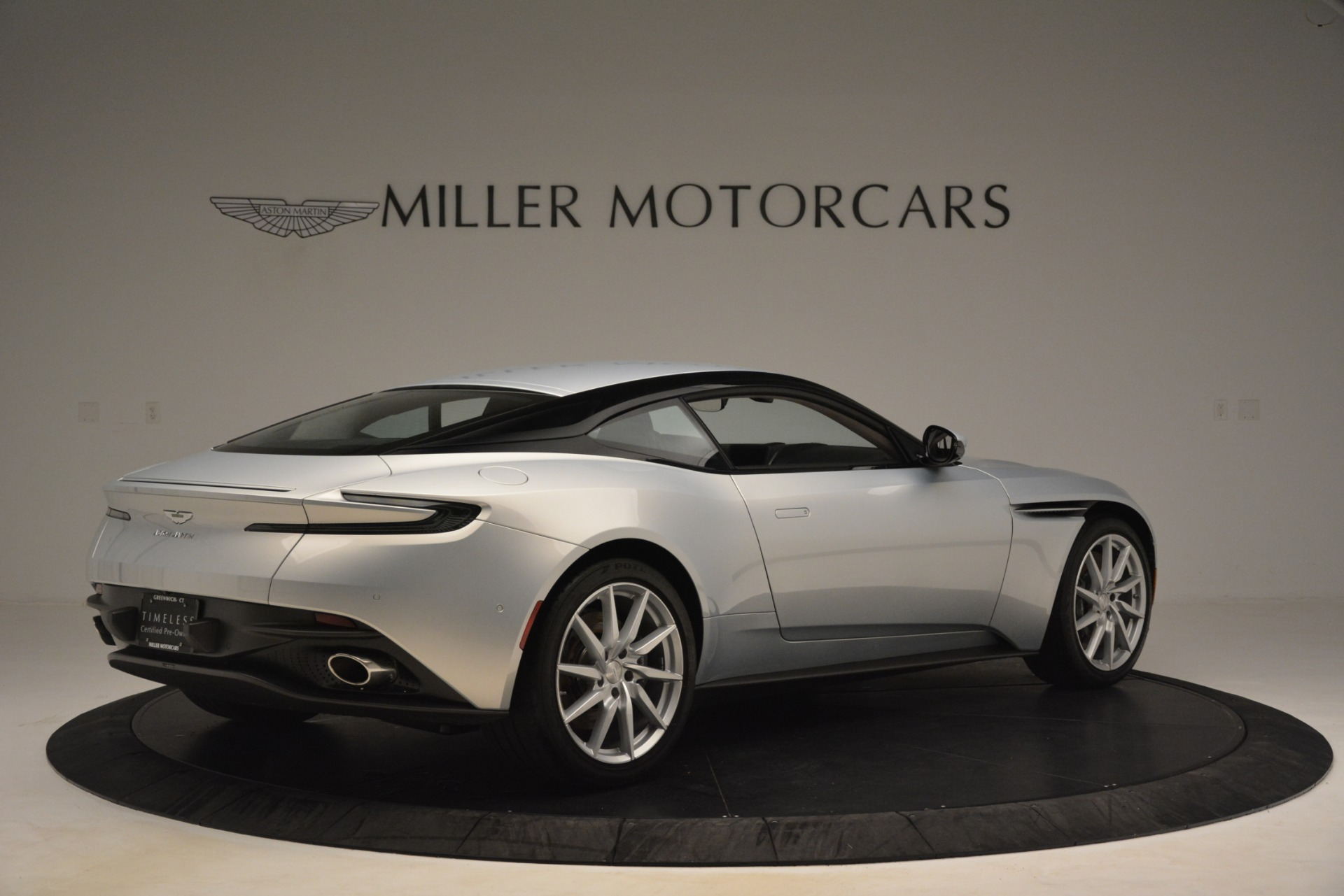Used 2018 Aston Martin DB11 V12 Coupe For Sale In Greenwich, CT 3264_p7