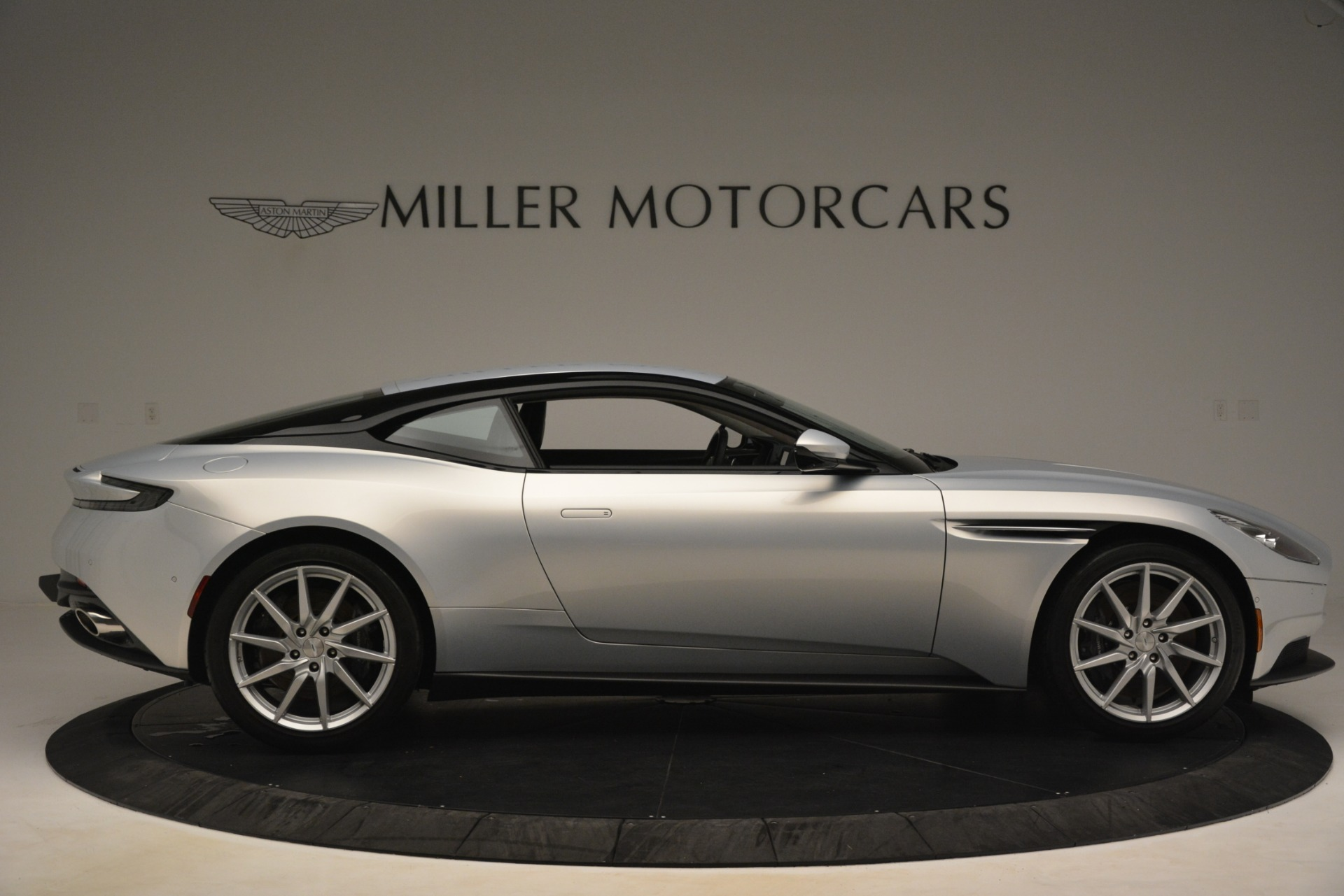 Used 2018 Aston Martin DB11 V12 Coupe For Sale In Greenwich, CT 3264_p8