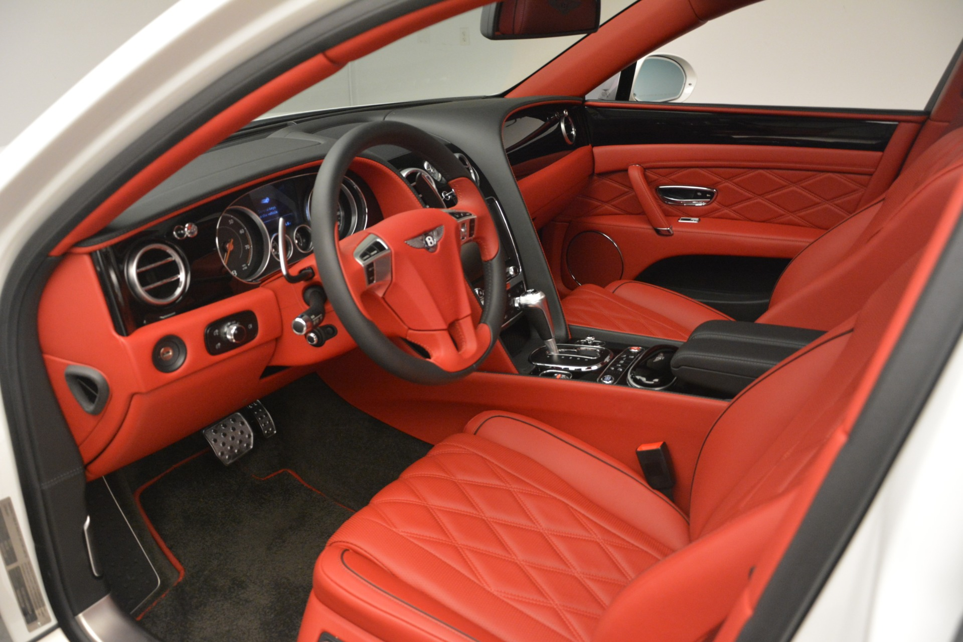 Used 2016 Bentley Flying Spur V8 For Sale In Greenwich, CT 3265_p18