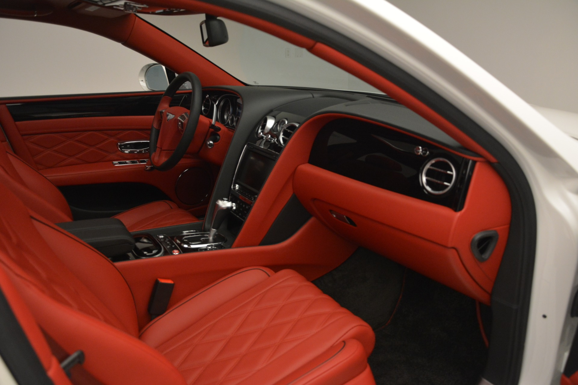Used 2016 Bentley Flying Spur V8 For Sale In Greenwich, CT 3265_p28