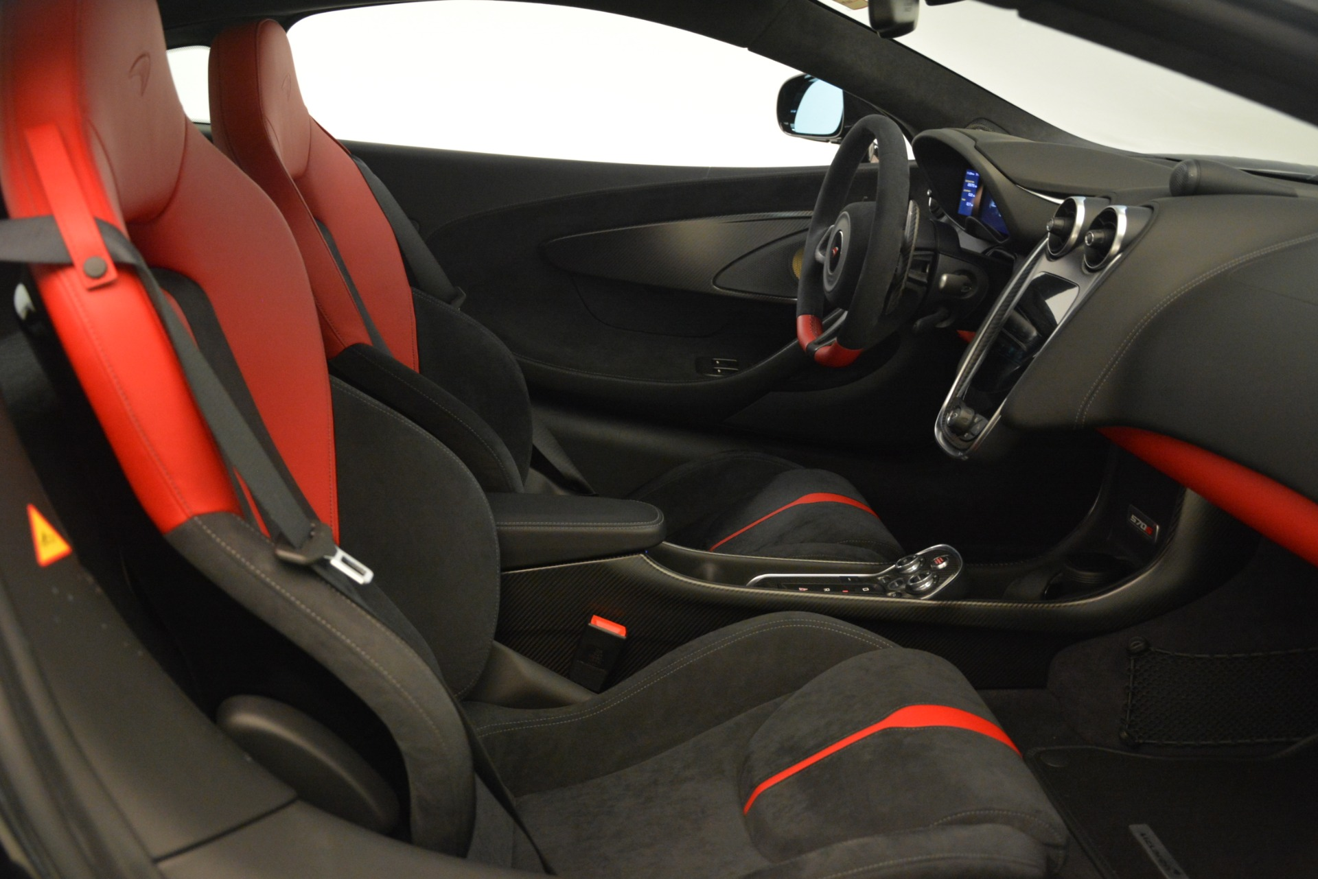 Used 2016 McLaren 570S Coupe For Sale In Greenwich, CT 3268_p17