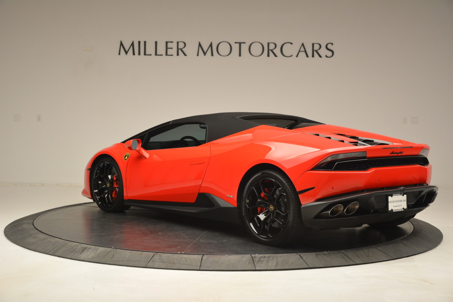 Used 2017 Lamborghini Huracan LP 610-4 Spyder For Sale In Greenwich, CT 3270_p12