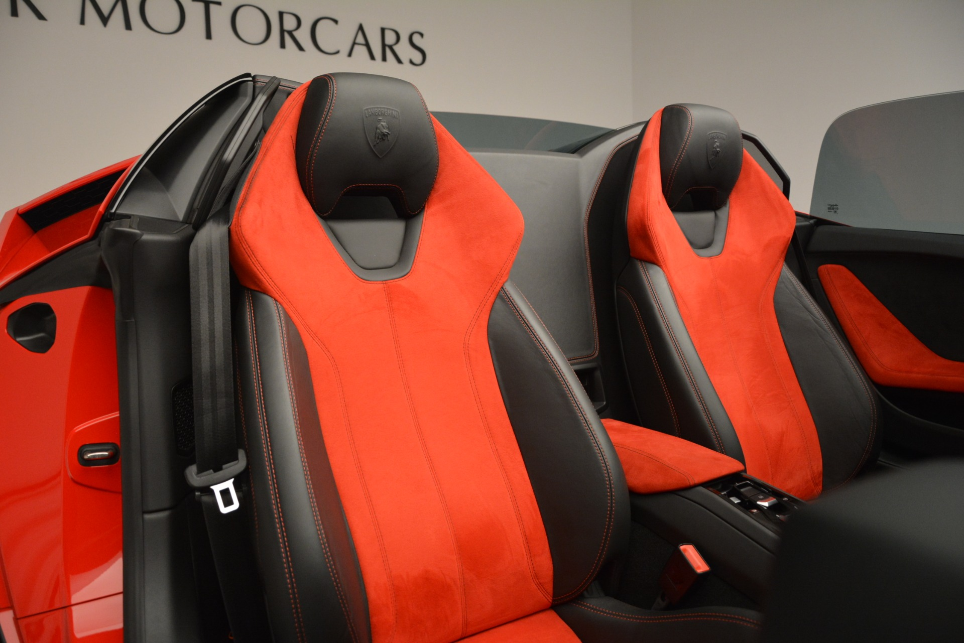Used 2017 Lamborghini Huracan LP 610-4 Spyder For Sale In Greenwich, CT 3270_p17