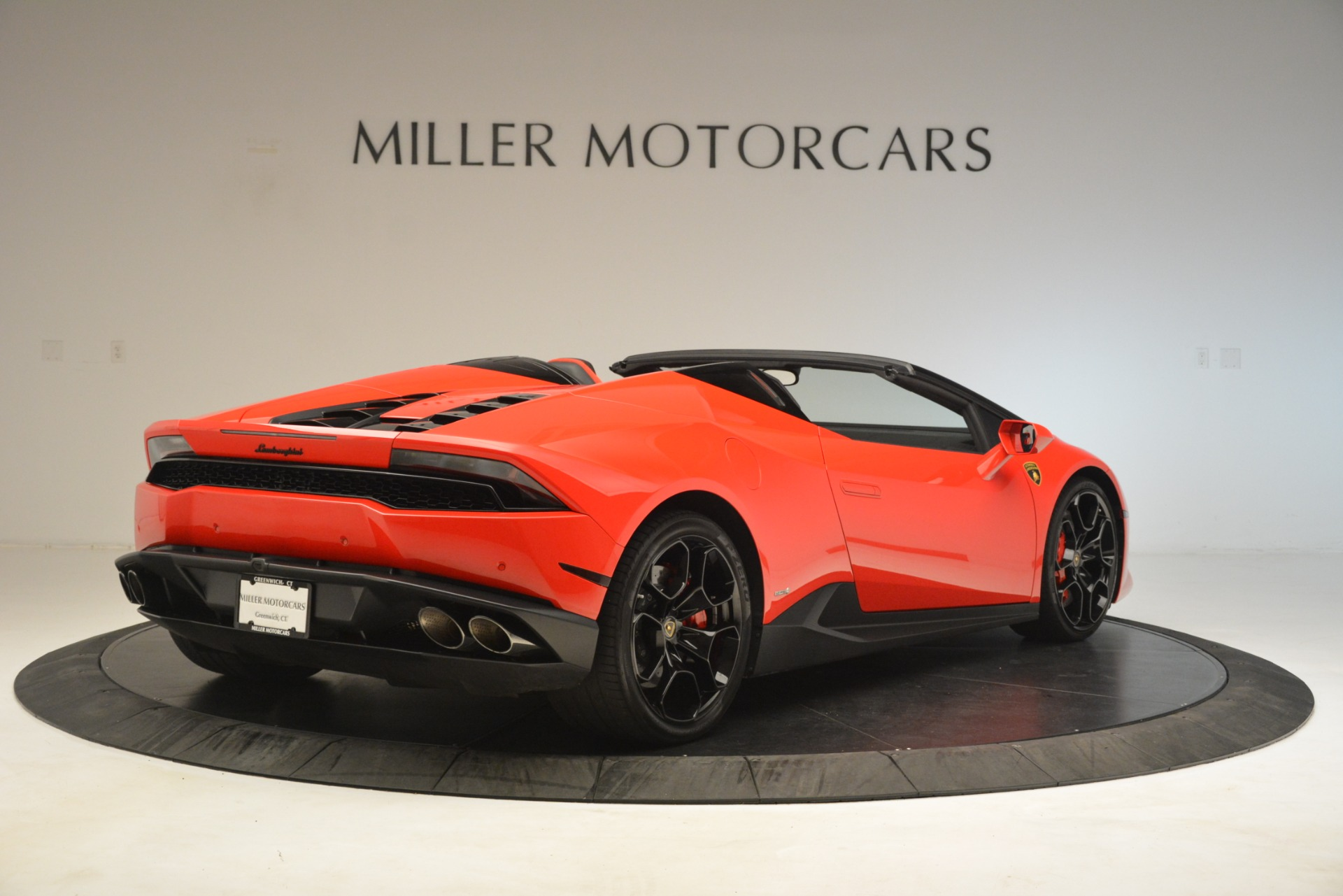 Used 2017 Lamborghini Huracan LP 610-4 Spyder For Sale In Greenwich, CT 3270_p5
