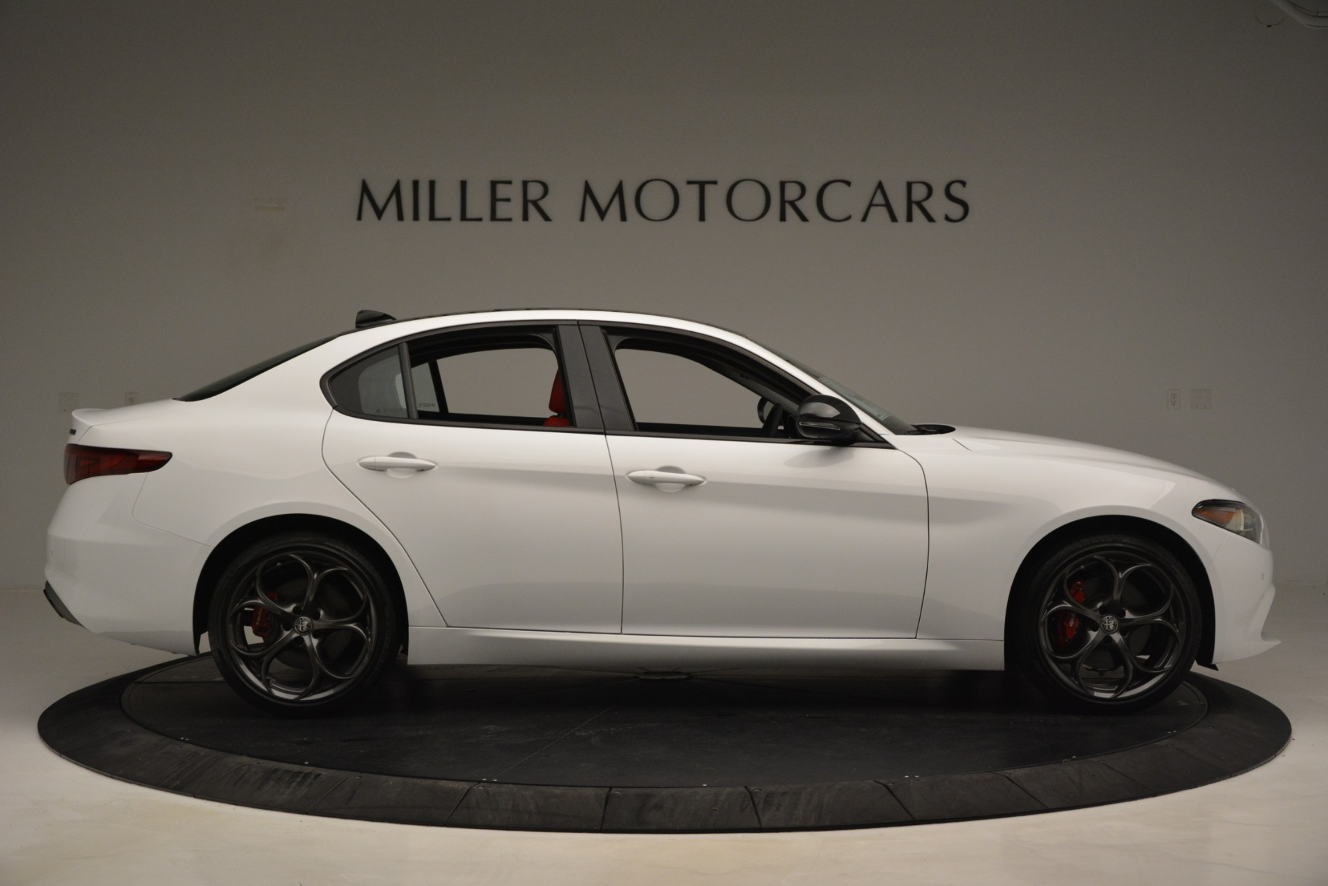 New 2019 Alfa Romeo Giulia Q4 For Sale In Greenwich, CT 3272_p9