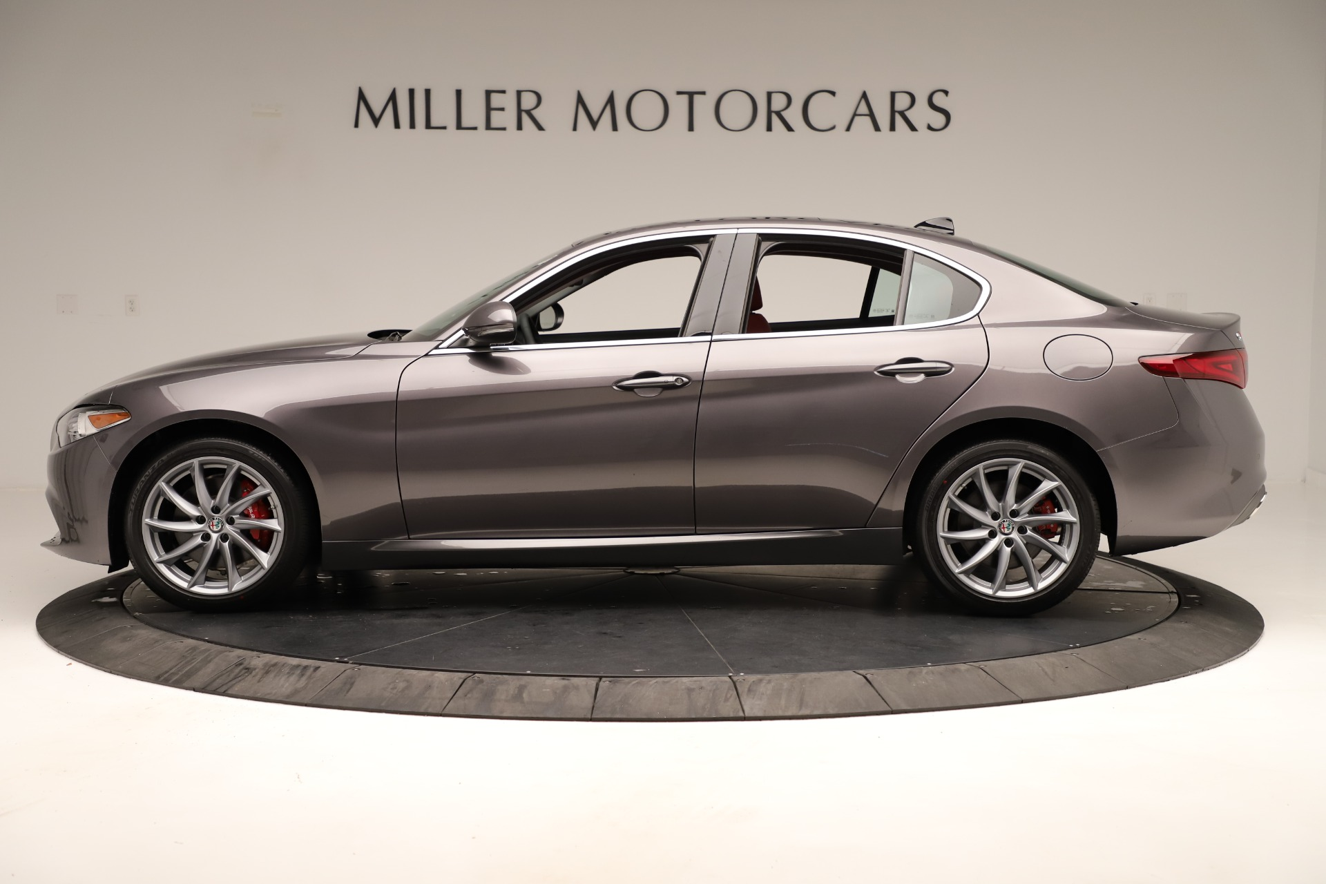 New 2019 Alfa Romeo Giulia Q4 For Sale In Greenwich, CT 3275_p3