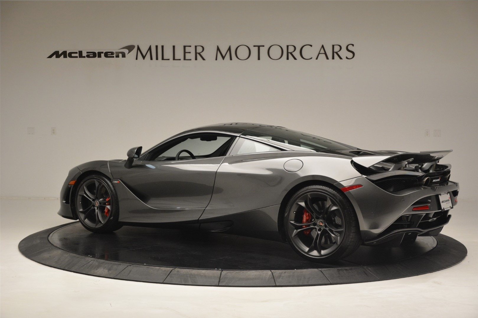 Used 2018 McLaren 720S Coupe For Sale In Greenwich, CT 3287_p3