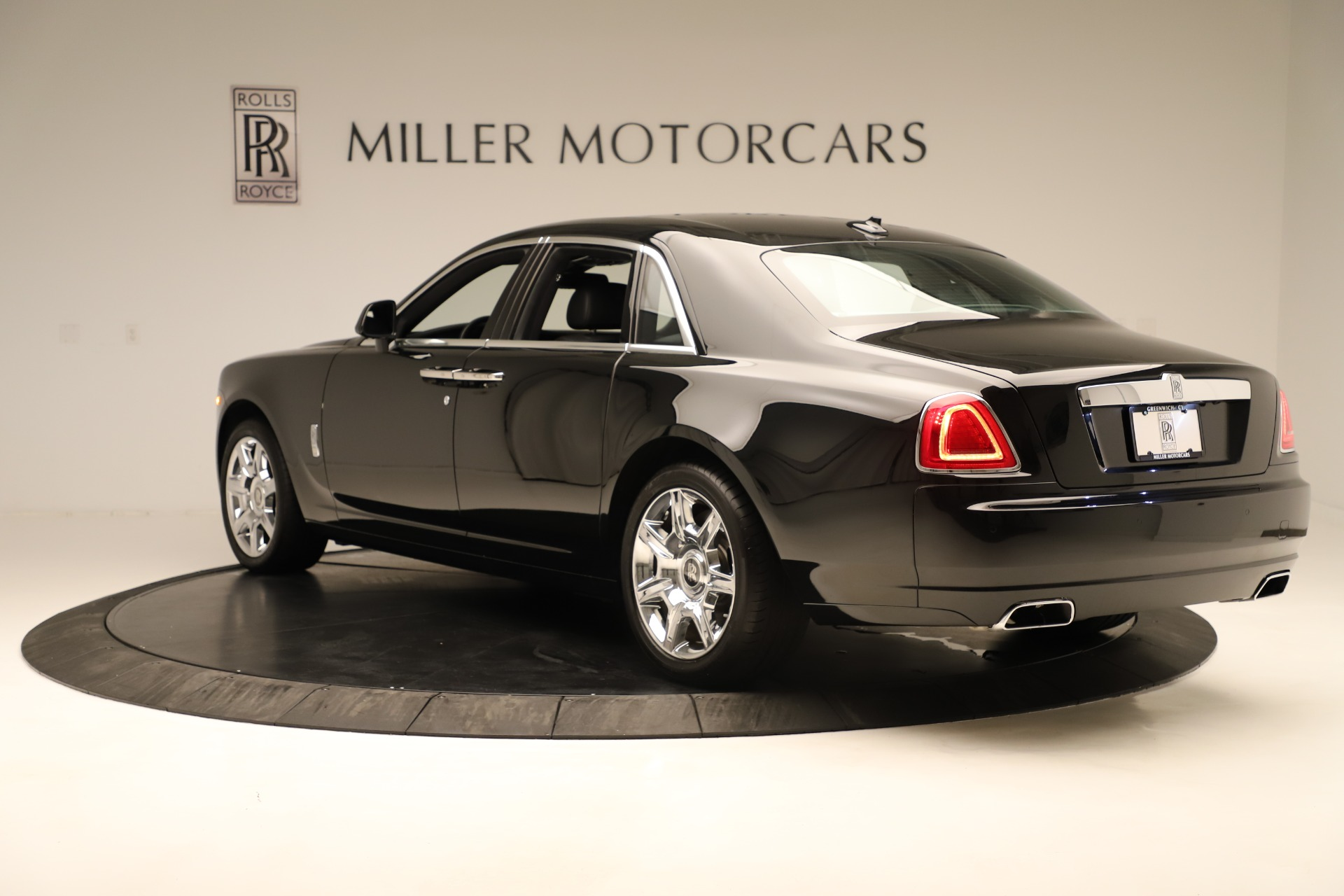 Used 2016 Rolls-Royce Ghost  For Sale In Greenwich, CT 3298_p5