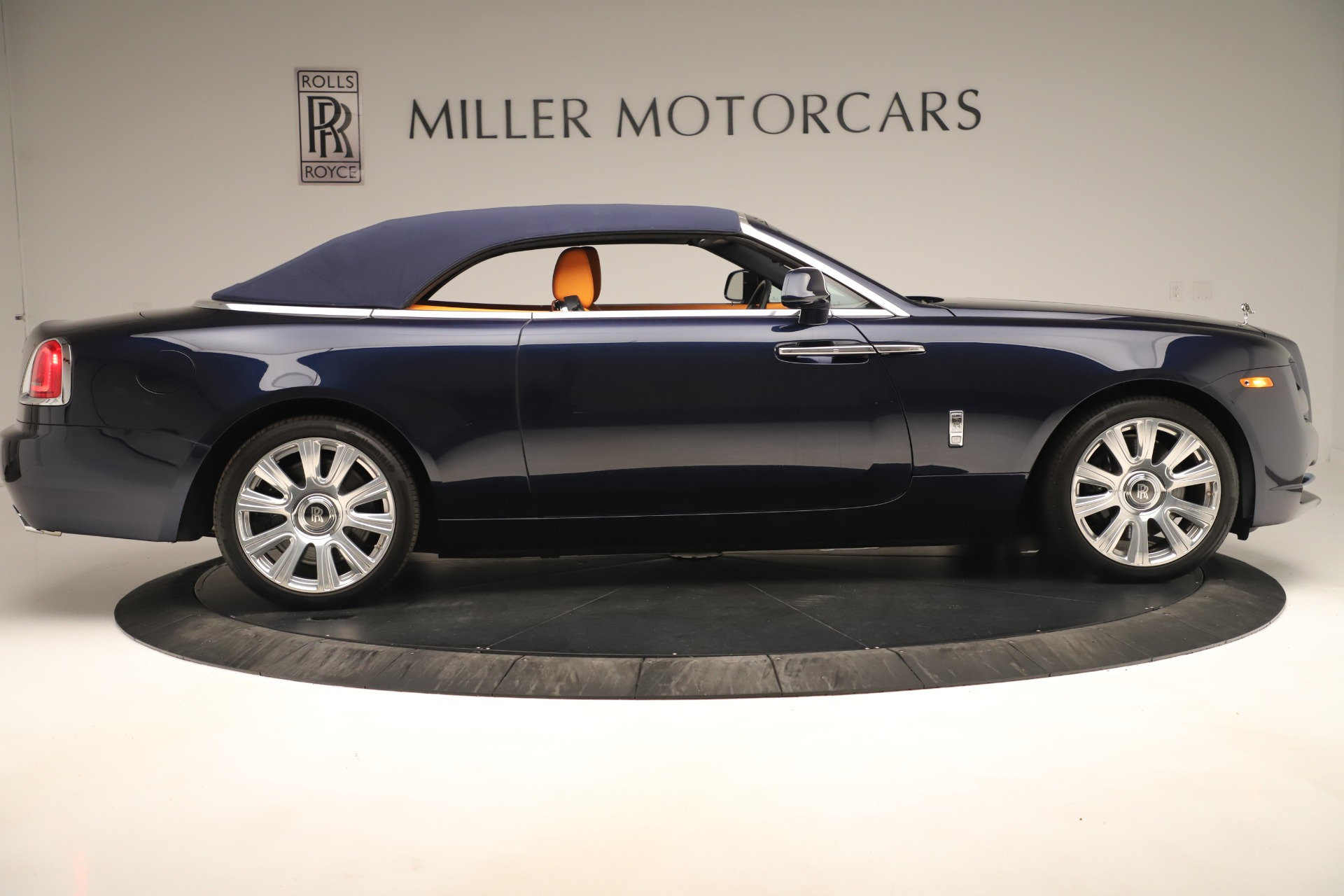 Used 2016 Rolls-Royce Dawn  For Sale In Greenwich, CT 3299_p14