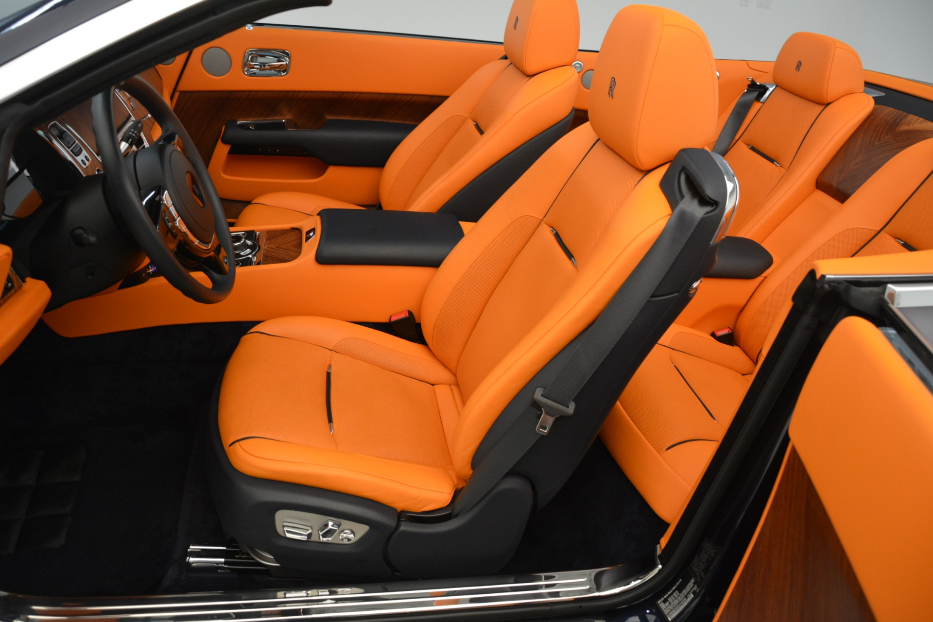 Used 2016 Rolls-Royce Dawn  For Sale In Greenwich, CT 3299_p16
