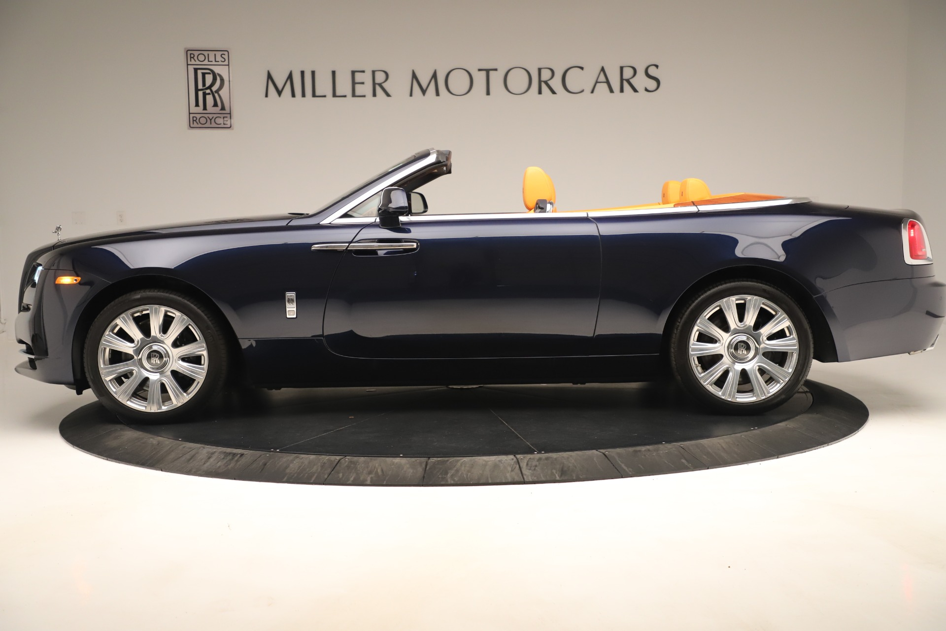 Used 2016 Rolls-Royce Dawn  For Sale In Greenwich, CT 3299_p3