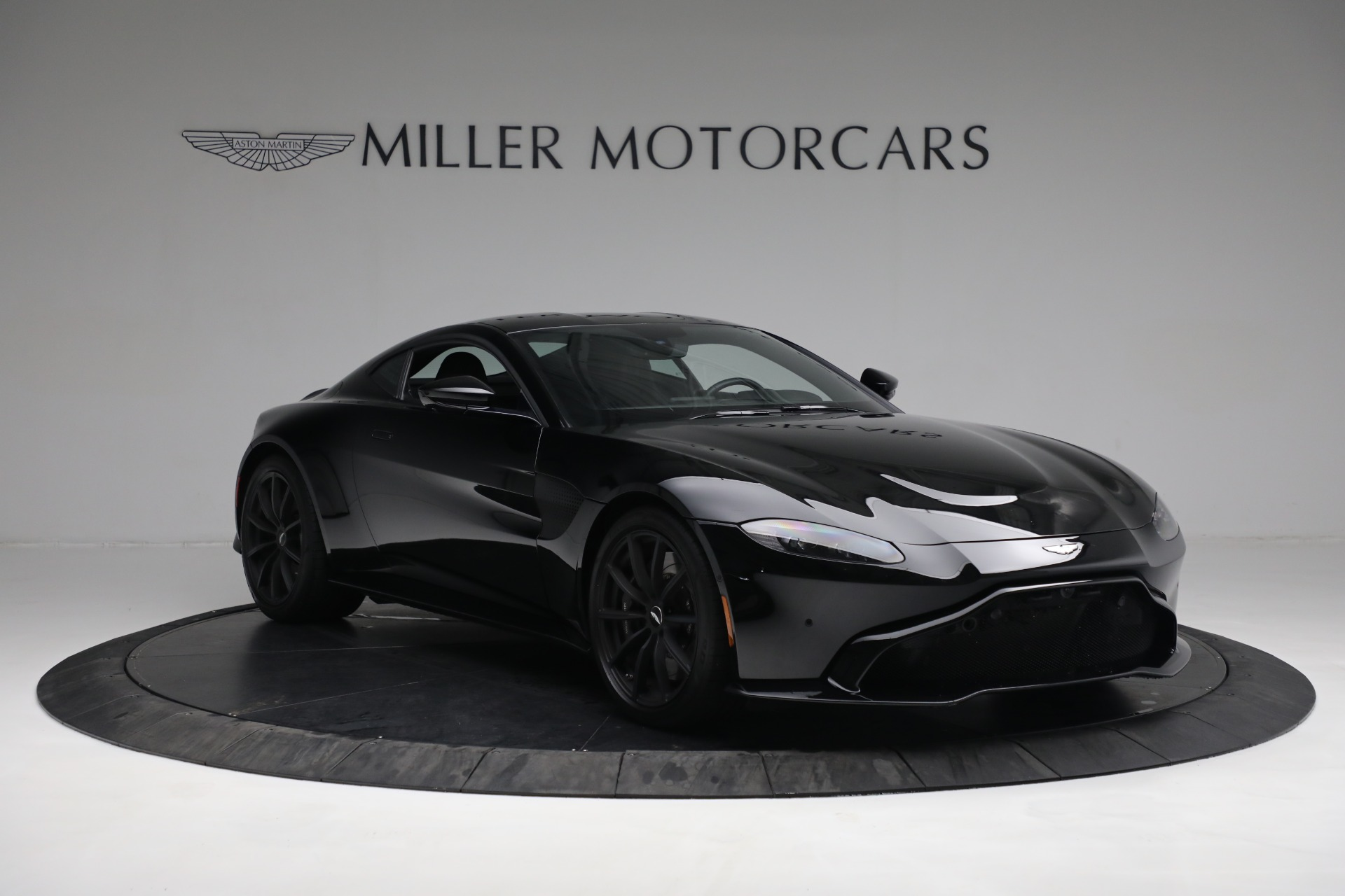 New 2019 Aston Martin Vantage Coupe For Sale In Greenwich, CT 3307_p10