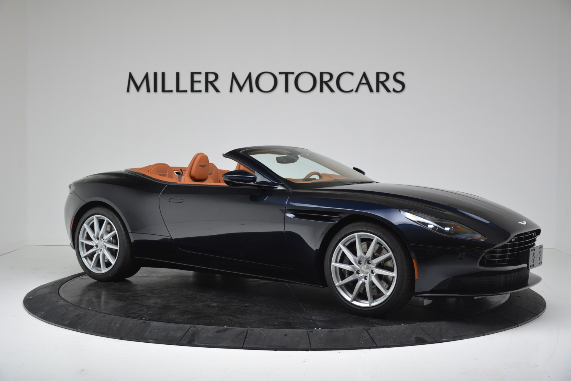New 2019 Aston Martin DB11 V8 Convertible For Sale In Greenwich, CT 3308_p10