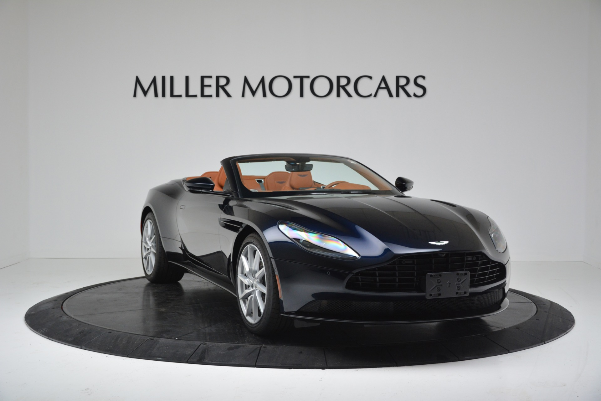 New 2019 Aston Martin DB11 V8 Convertible For Sale In Greenwich, CT 3308_p11