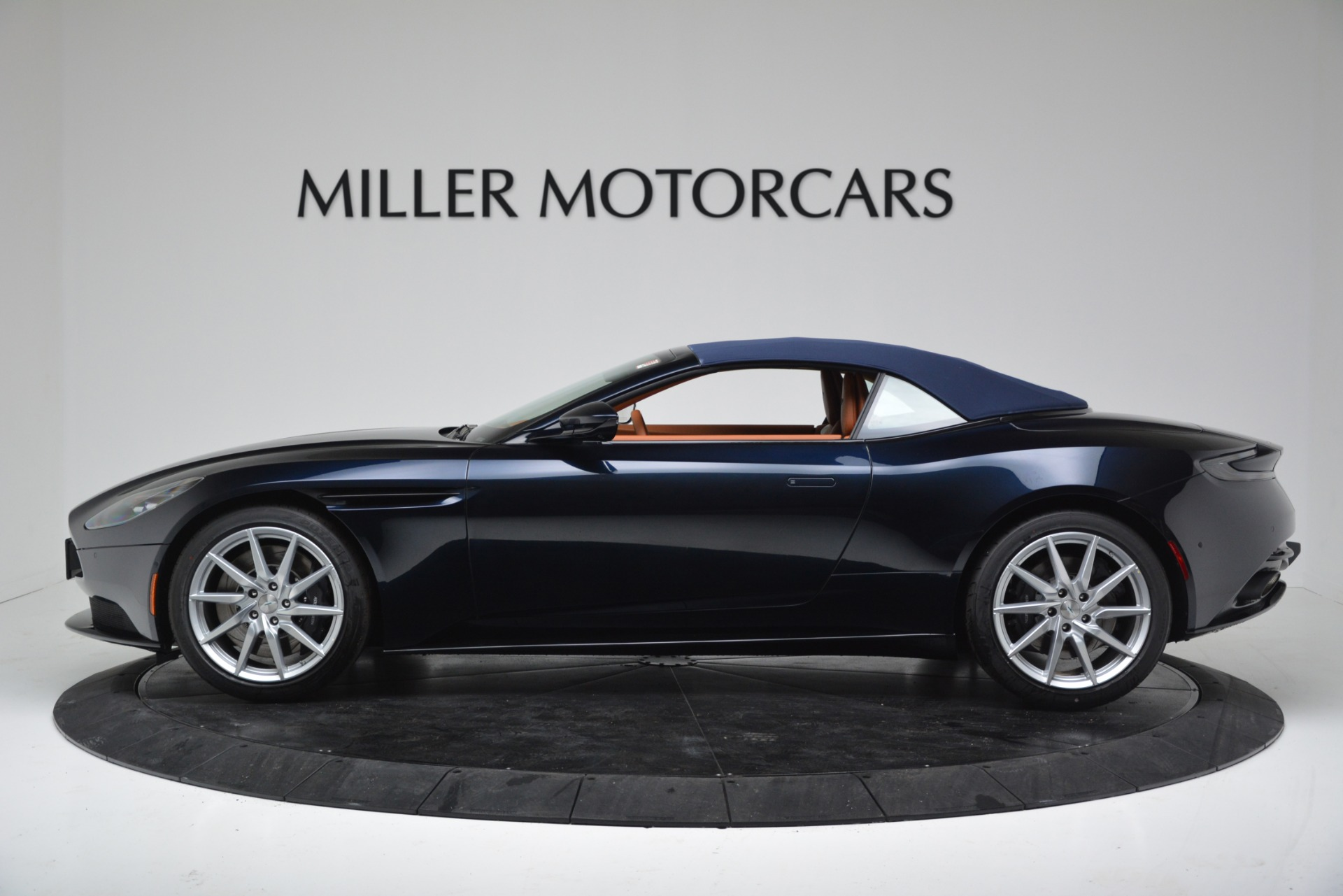 New 2019 Aston Martin DB11 V8 Convertible For Sale In Greenwich, CT 3308_p14