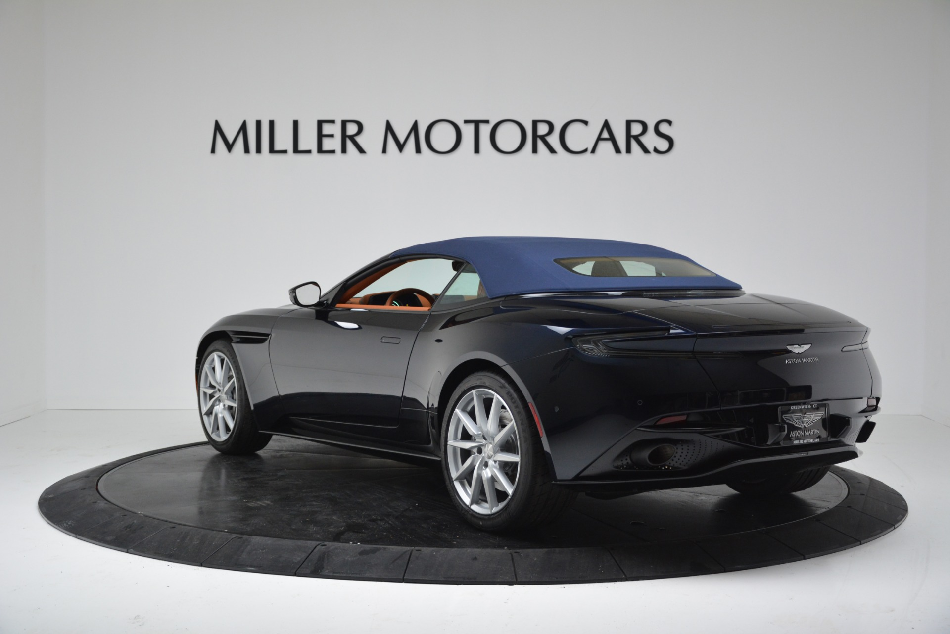New 2019 Aston Martin DB11 V8 Convertible For Sale In Greenwich, CT 3308_p15