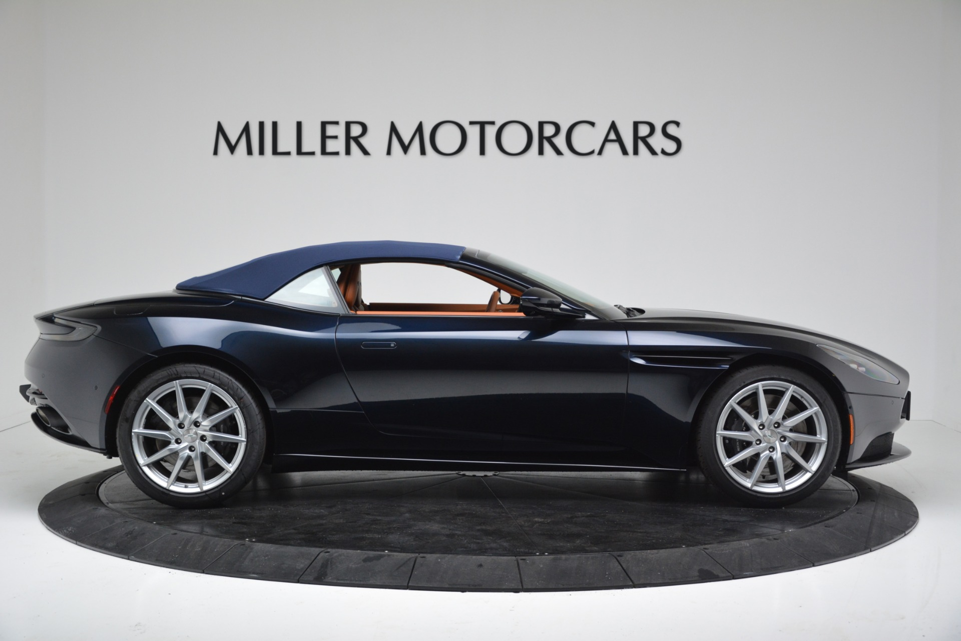 New 2019 Aston Martin DB11 V8 Convertible For Sale In Greenwich, CT 3308_p16