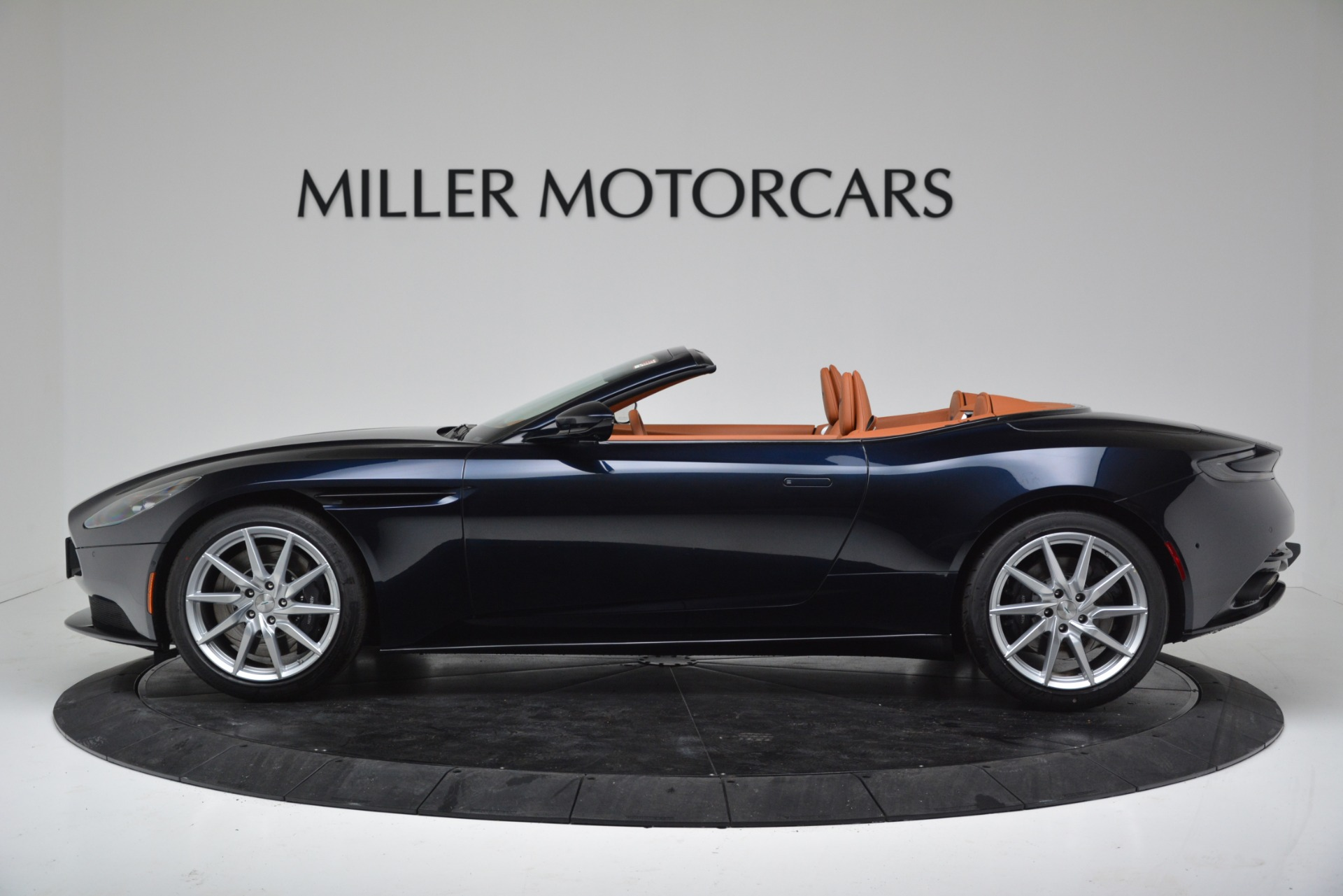 New 2019 Aston Martin DB11 V8 Convertible For Sale In Greenwich, CT 3308_p3