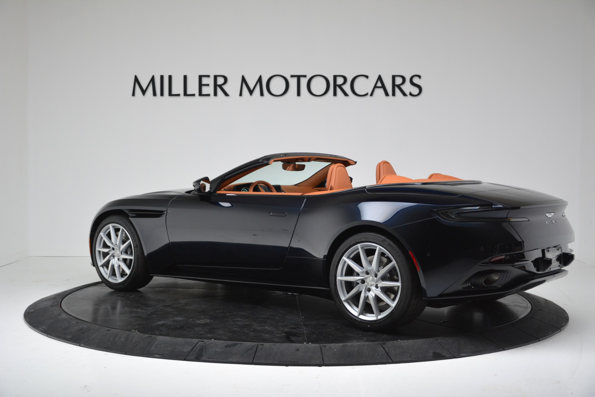 New 2019 Aston Martin DB11 V8 Convertible For Sale In Greenwich, CT 3308_p4