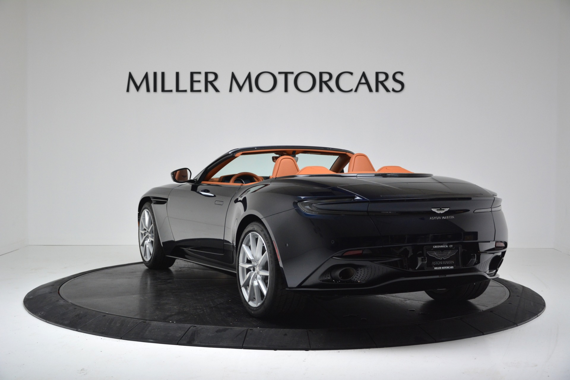 New 2019 Aston Martin DB11 V8 Convertible For Sale In Greenwich, CT 3308_p5