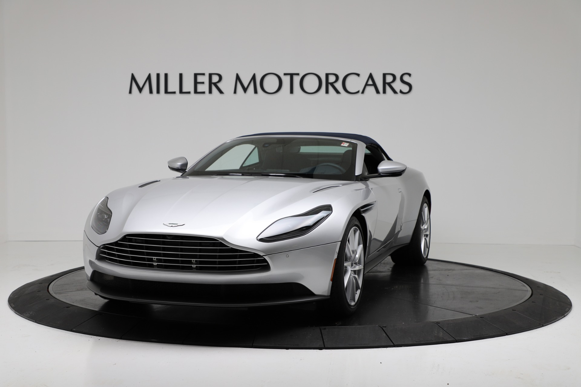 New 2019 Aston Martin DB11 V8 Convertible For Sale In Greenwich, CT 3316_p13