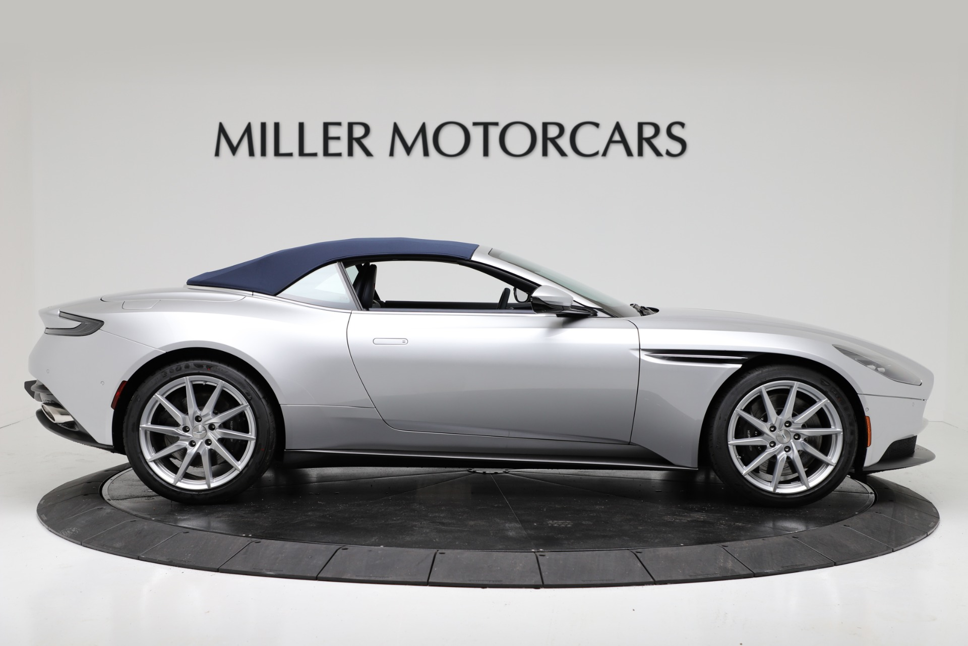 New 2019 Aston Martin DB11 V8 Convertible For Sale In Greenwich, CT 3316_p17