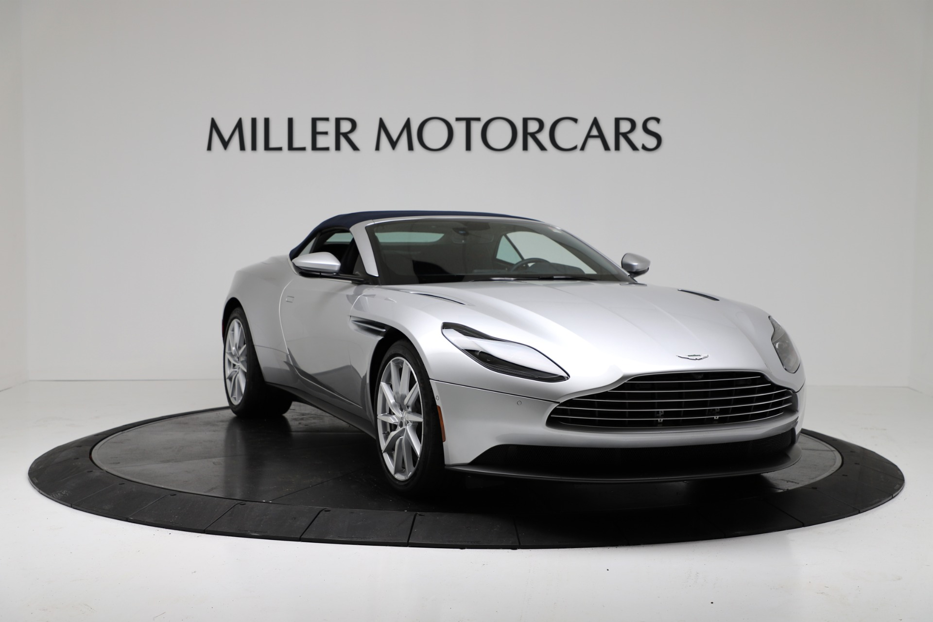 New 2019 Aston Martin DB11 V8 Convertible For Sale In Greenwich, CT 3316_p18
