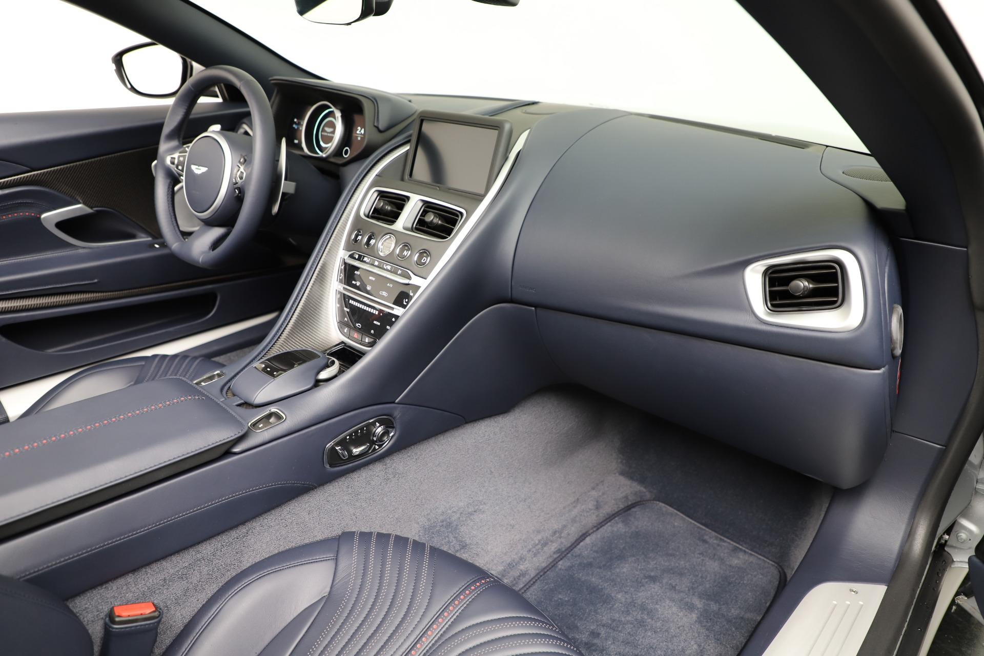 New 2019 Aston Martin DB11 V8 Convertible For Sale In Greenwich, CT 3316_p25