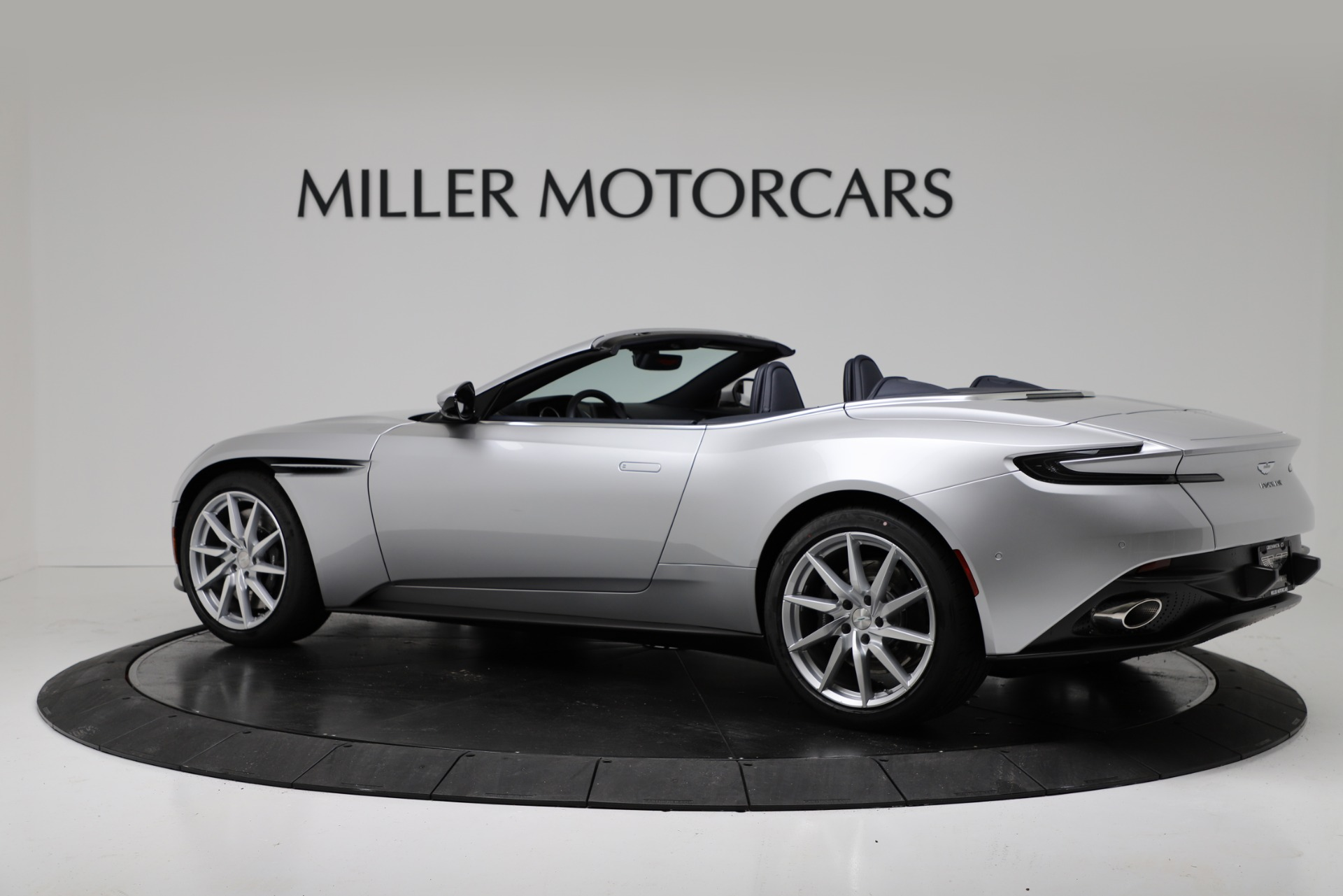 New 2019 Aston Martin DB11 V8 Convertible For Sale In Greenwich, CT 3316_p4