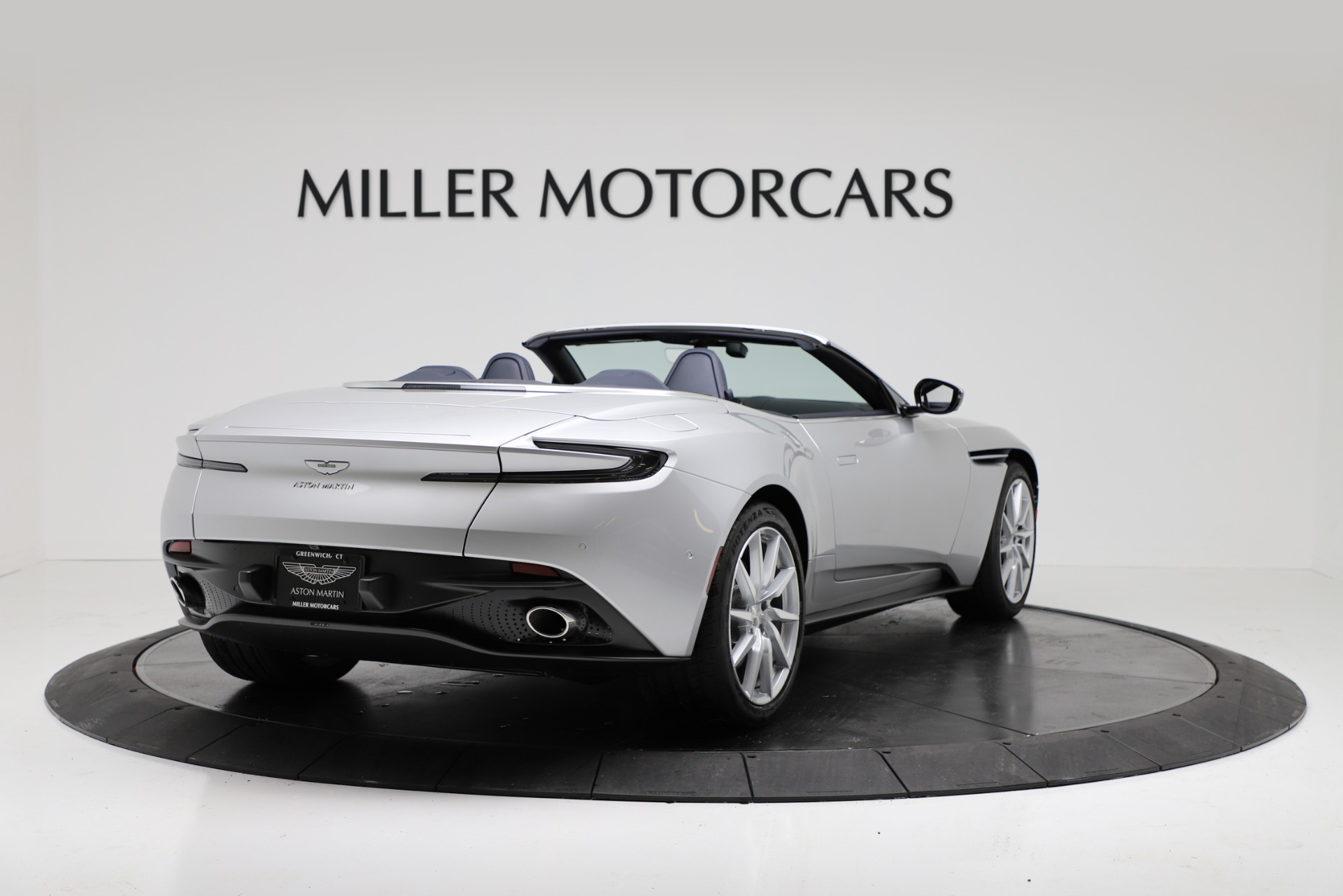 New 2019 Aston Martin DB11 V8 Convertible For Sale In Greenwich, CT 3316_p7