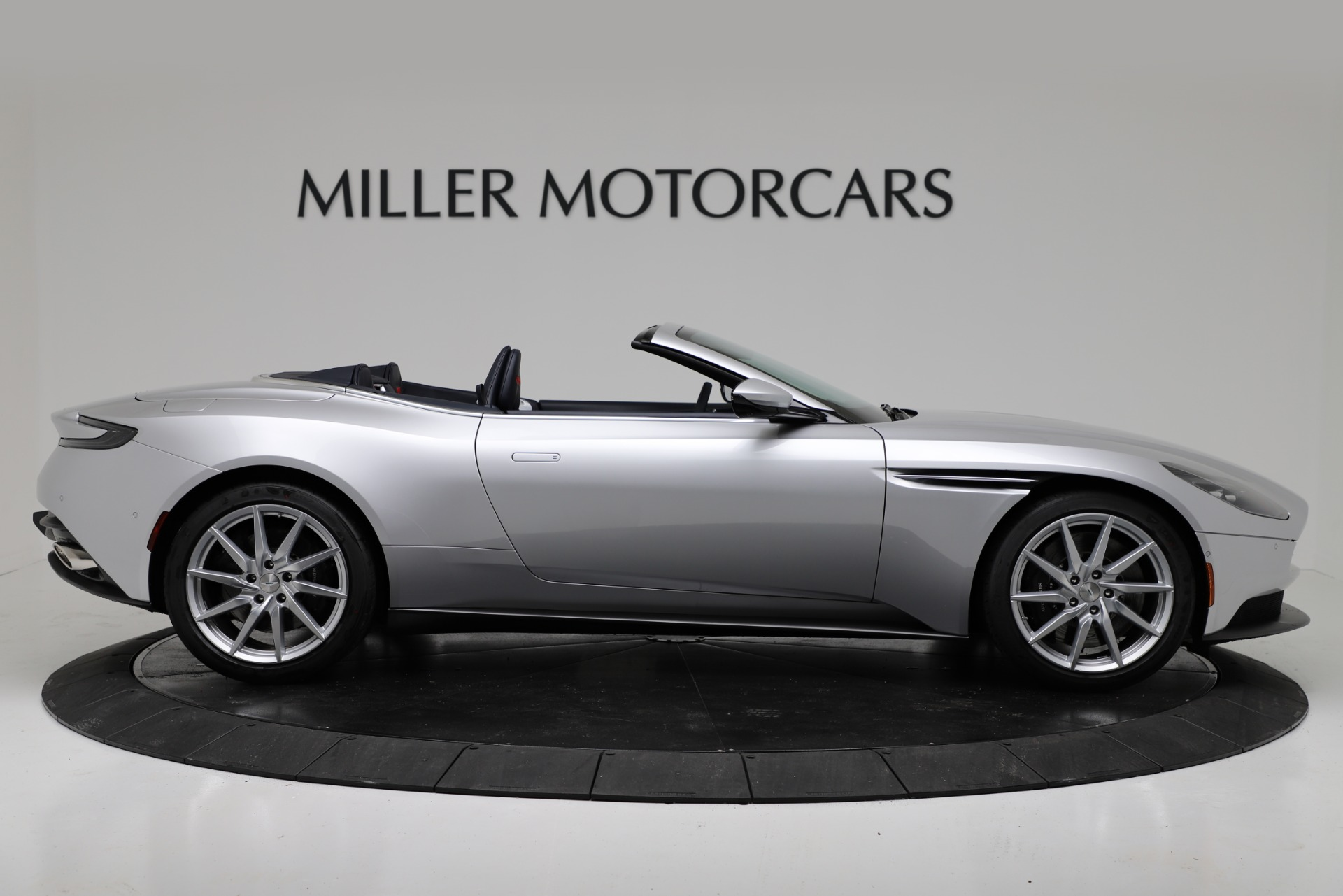 New 2019 Aston Martin DB11 V8 Convertible For Sale In Greenwich, CT 3316_p9