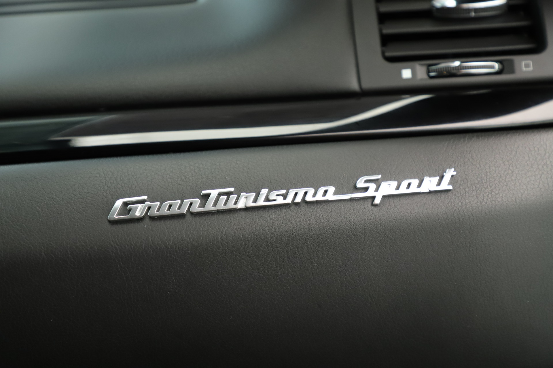 Used 2013 Maserati GranTurismo Sport For Sale In Greenwich, CT 3327_p23