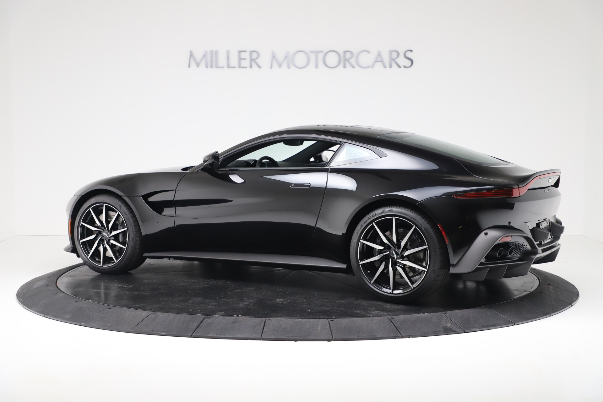 Used 2020 Aston Martin Vantage Coupe For Sale In Greenwich, CT 3340_p4