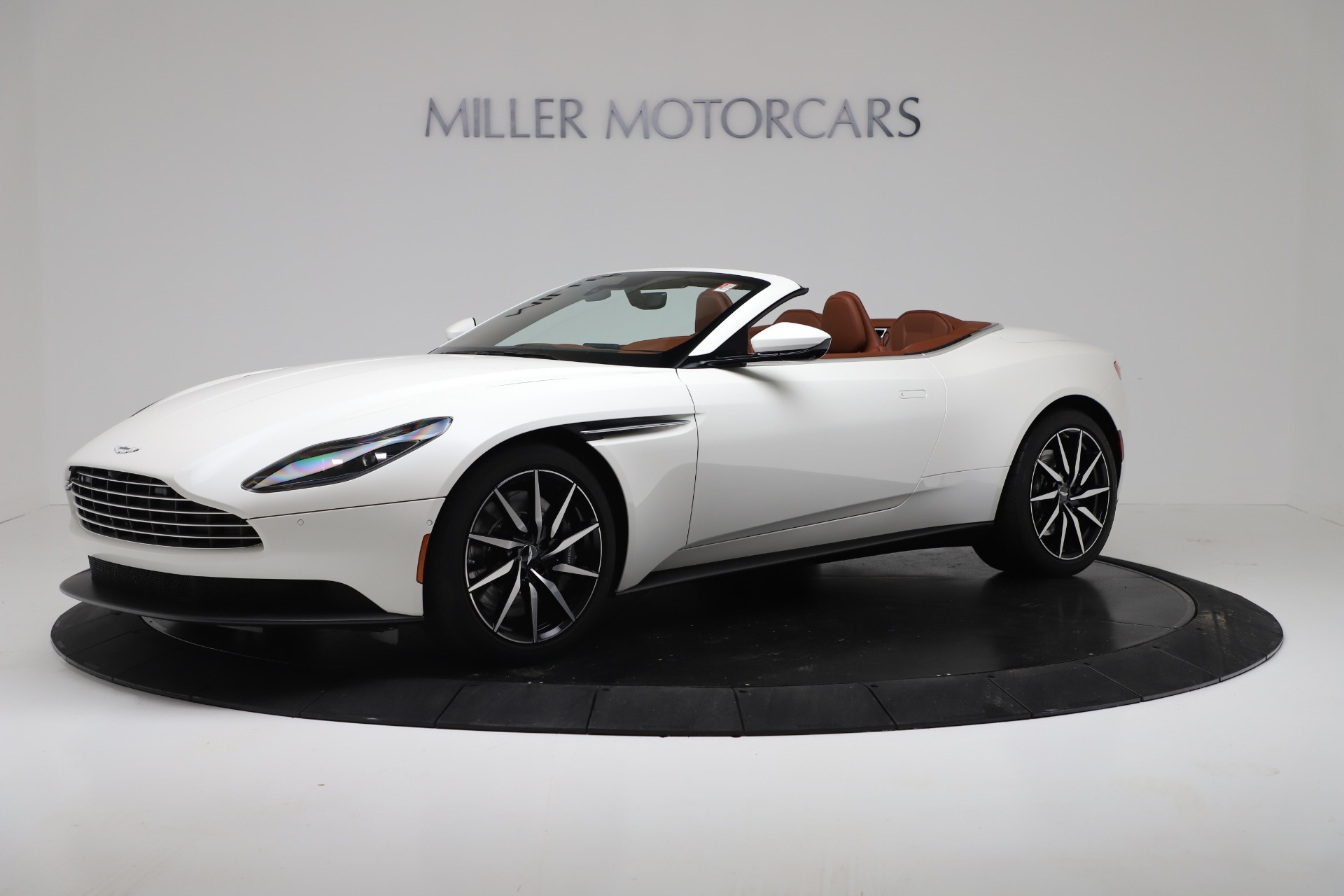 New 2019 Aston Martin DB11 V8 For Sale In Greenwich, CT 3344_main