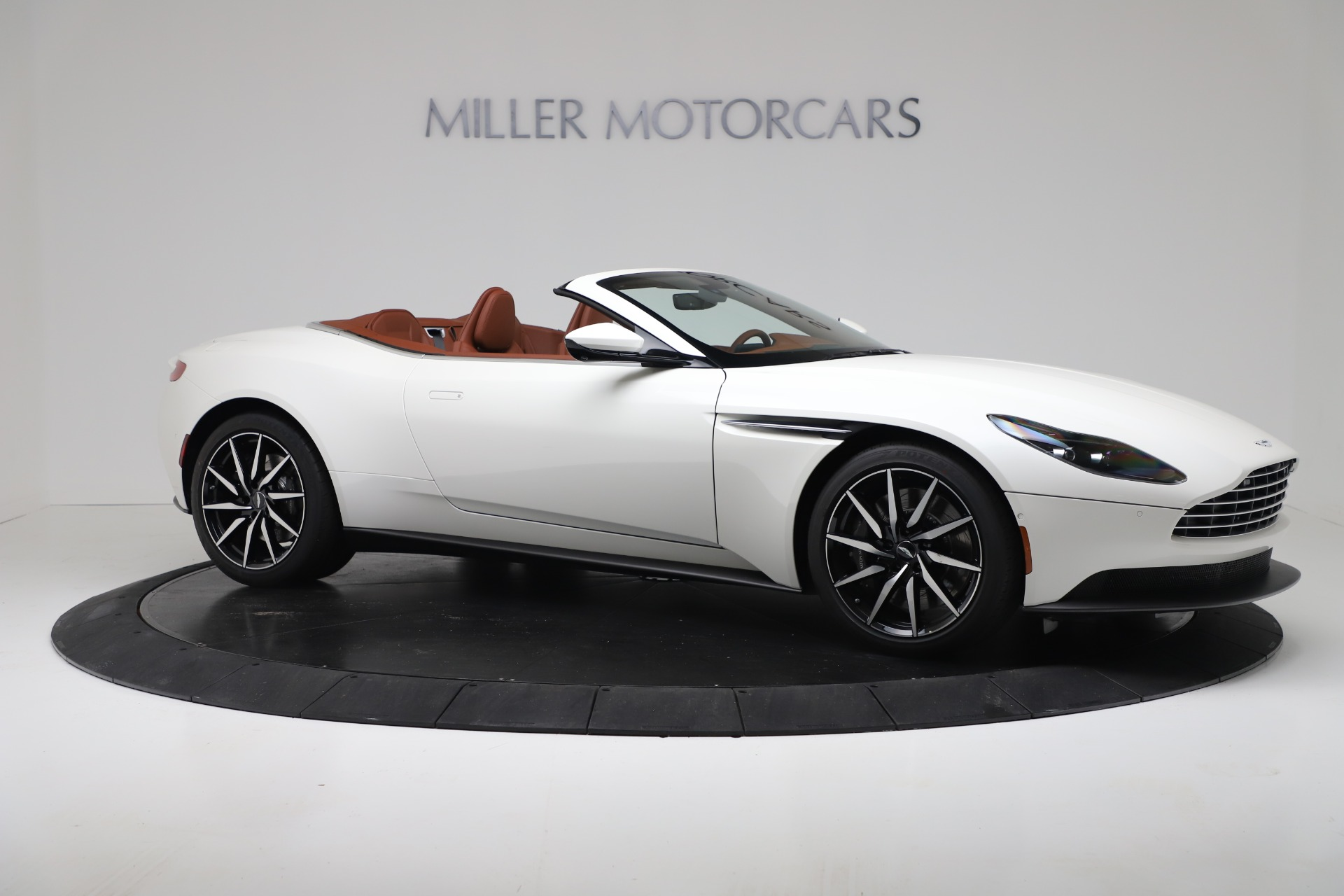 New 2019 Aston Martin DB11 V8 For Sale In Greenwich, CT 3344_p10